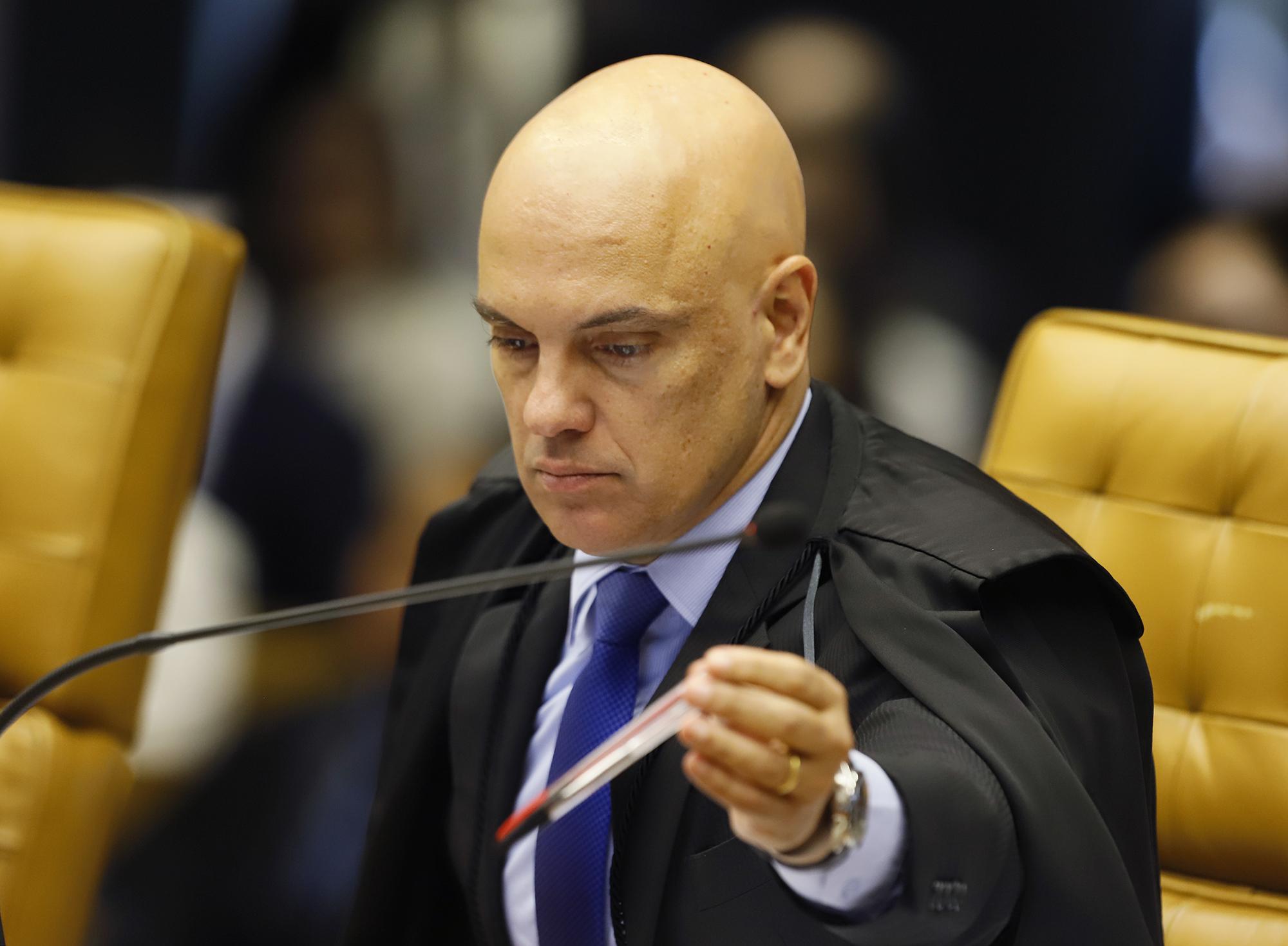 IMAGEM: Moraes determina bloqueio das redes sociais de influenciadores e empresários bolsonaristas