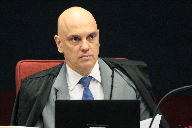IMAGEM: Alexandre de Moraes ordena que delegados de inquéritos das fake news sejam mantidos