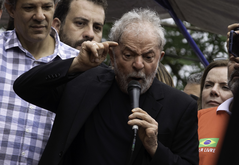 IMAGEM: Lula compara bolsonarismo a nazismo