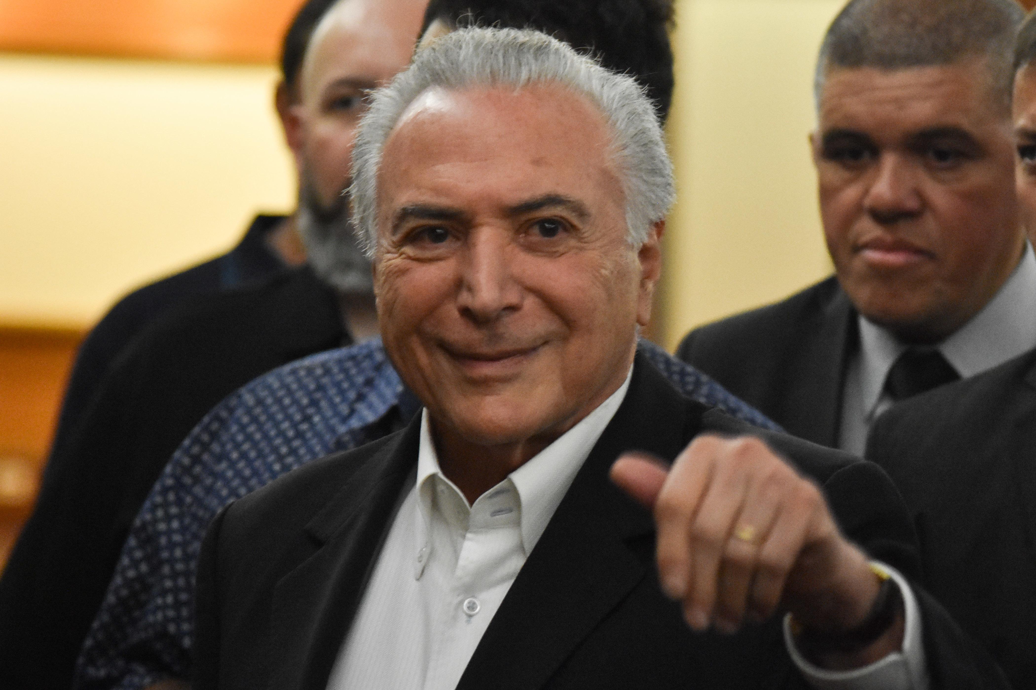 IMAGEM: Temer aceita convite de Bolsonaro para comandar missão humanitária no Líbano