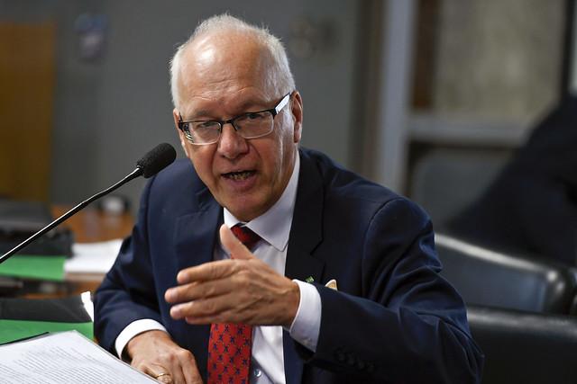 IMAGEM: Embaixador pede que alemães deixem o Brasil 'imediatamente'