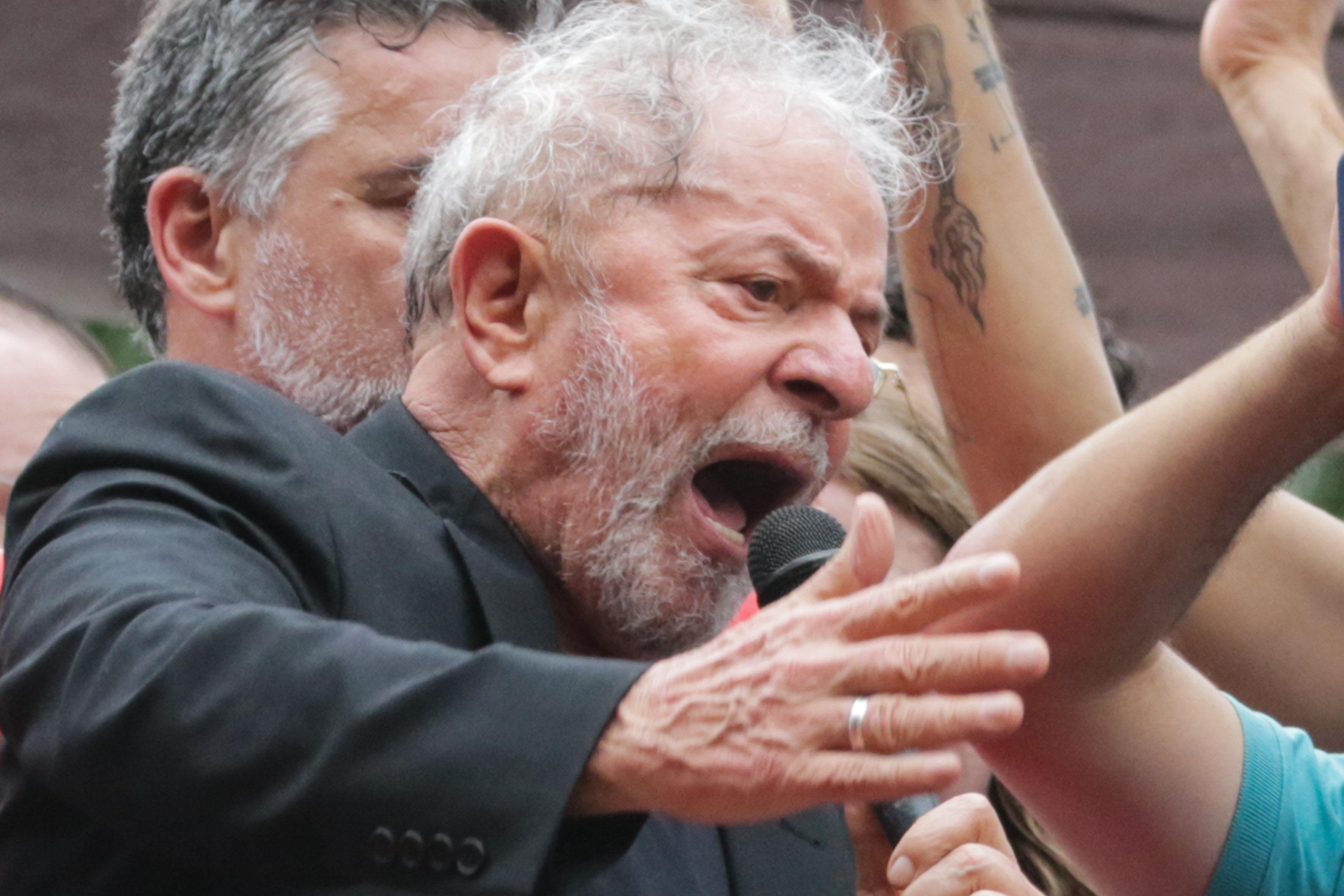 """IMAGEM: Lula: """"A grande coisa que aconteceu foi eu ficar livre, o que mais poderia acontecer?"""""""
