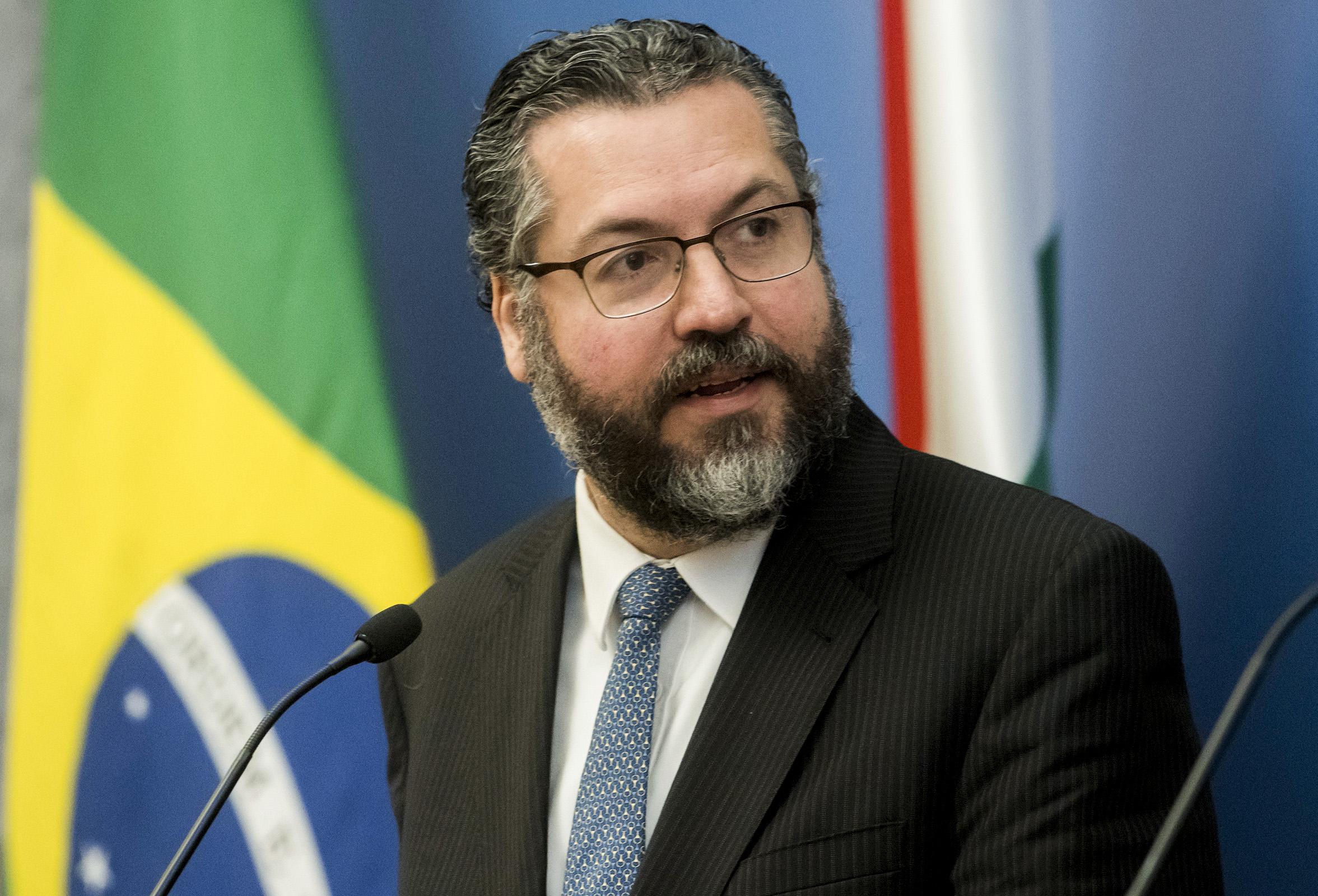 IMAGEM: Ernesto quer diplomata como embaixador em Israel