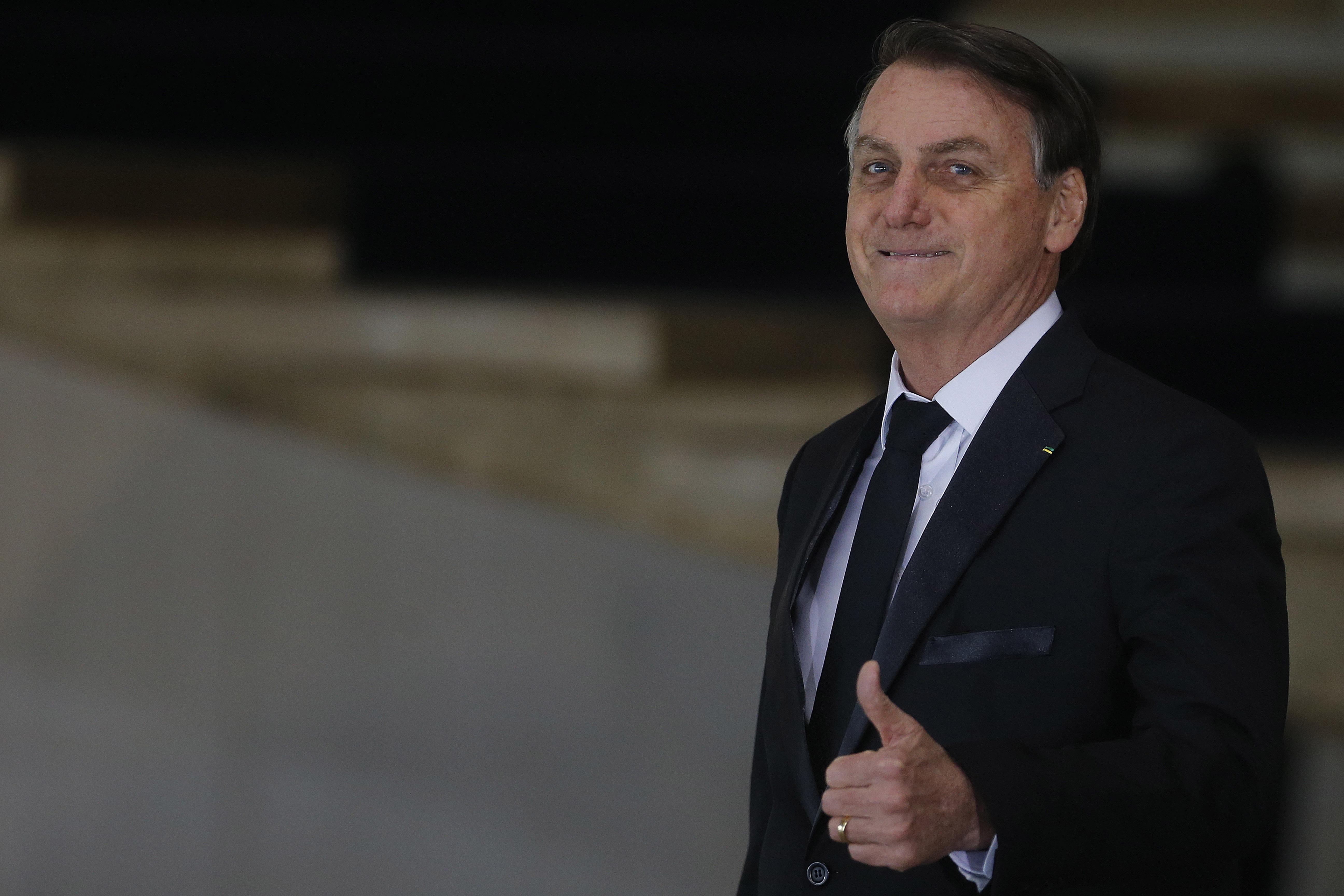 IMAGEM: Aprovação ao governo Bolsonaro sobe