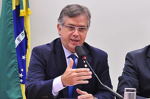 IMAGEM: Deputado critica Novo por destaque que mudou critério de distribuição de recursos aos estados