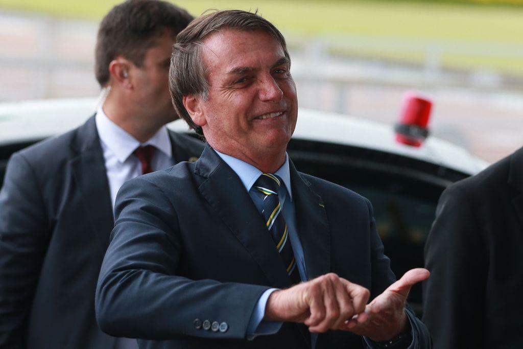 """IMAGEM: """"Existe a possibilidade"""", diz Bolsonaro sobre volta de sorteios na TV"""