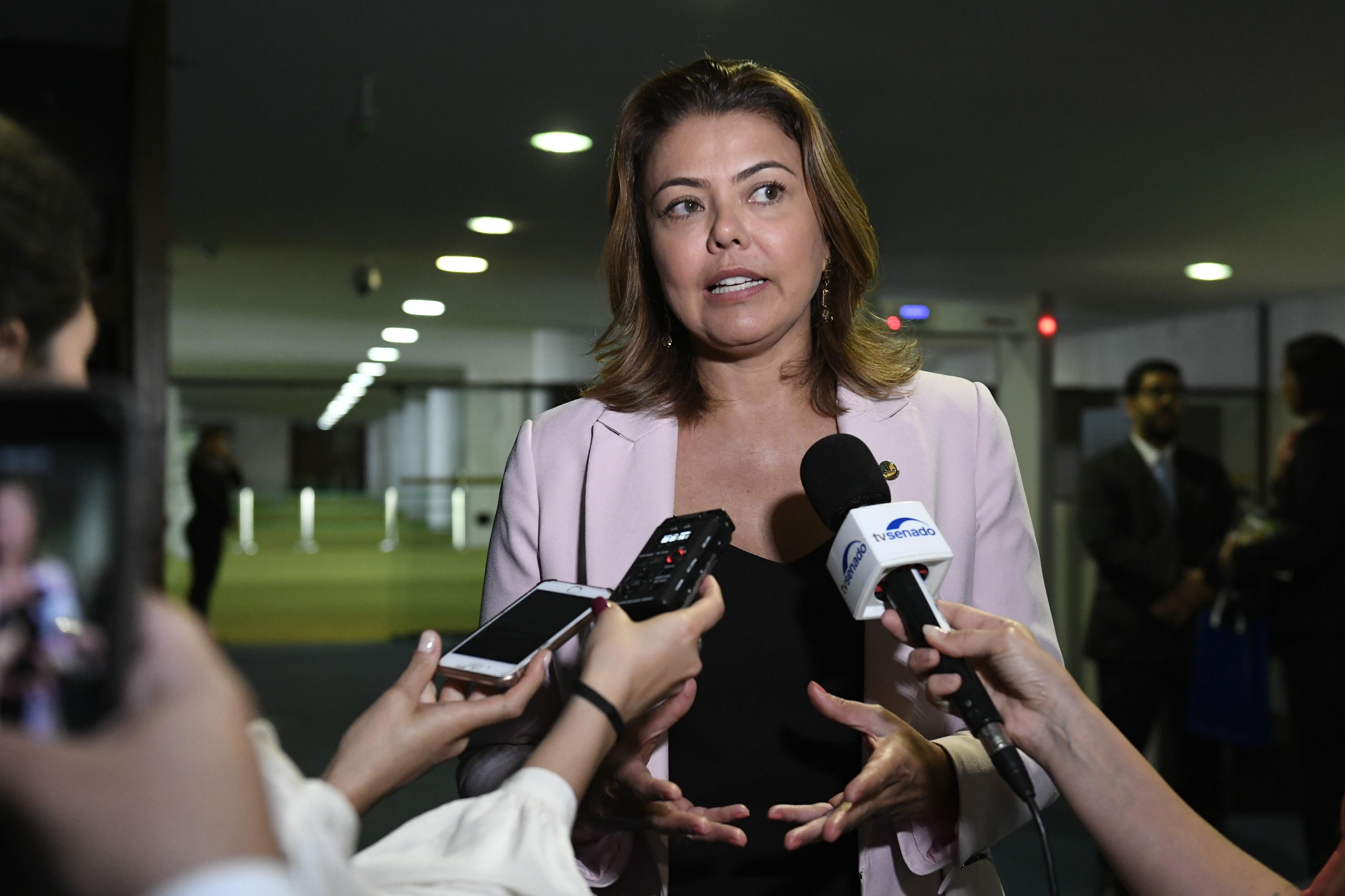 IMAGEM: PSB, com uma senadora, confirma apoio a Simone