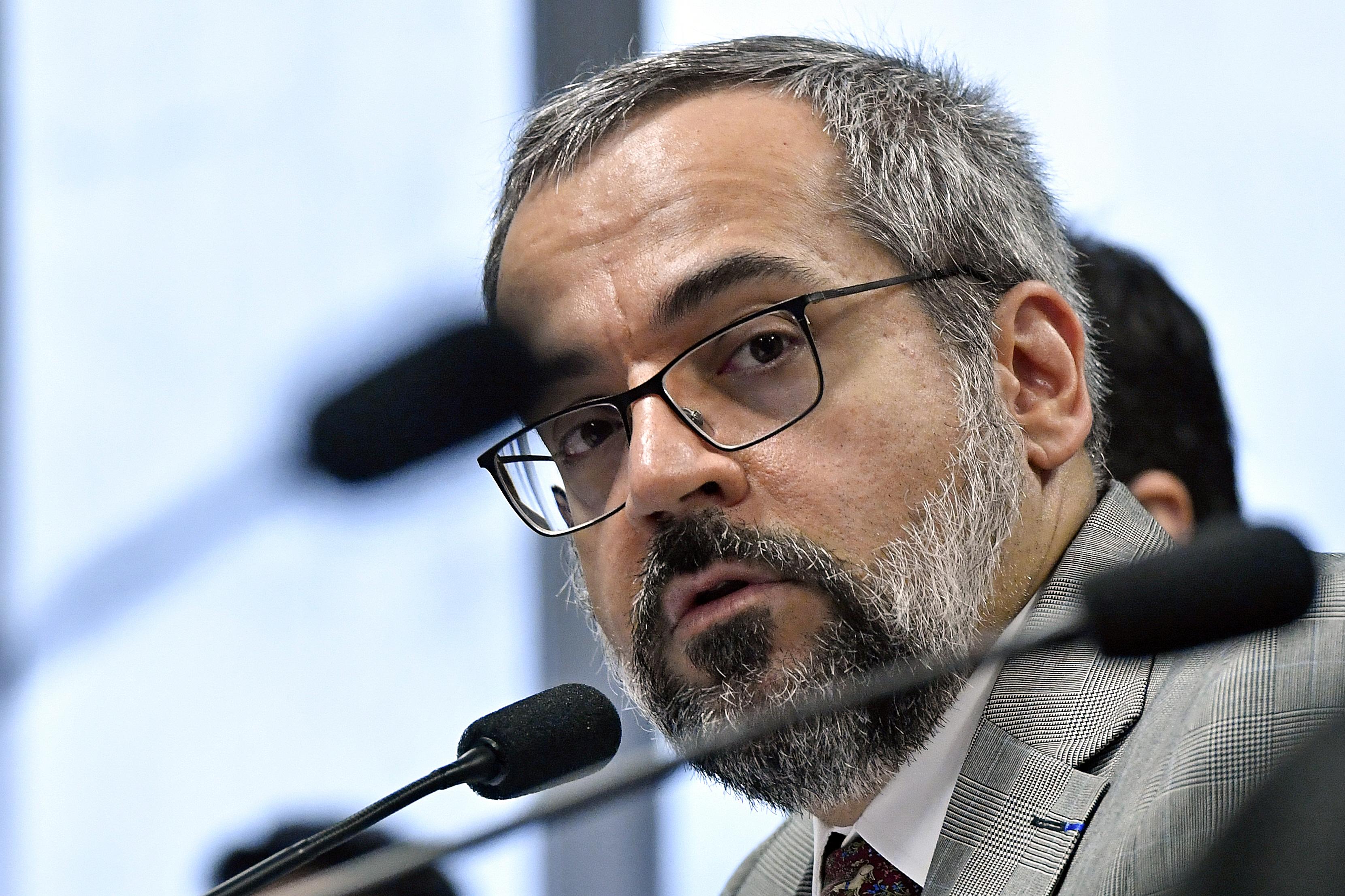 IMAGEM: Irmãos Weintraub recuperam-se de 'casos graves' de Covid