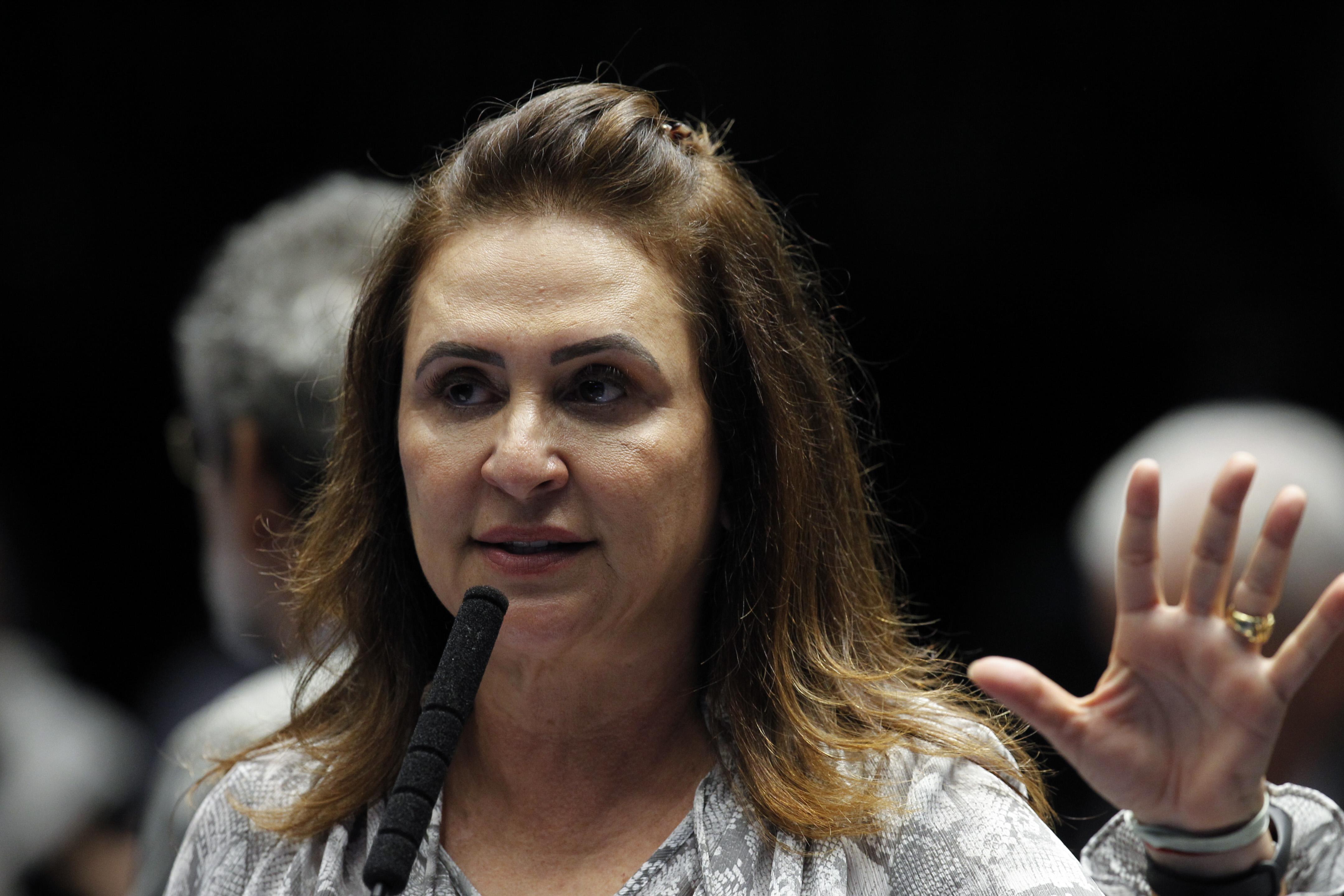 """IMAGEM: Kátia """"Glifosato"""" Abreu"""