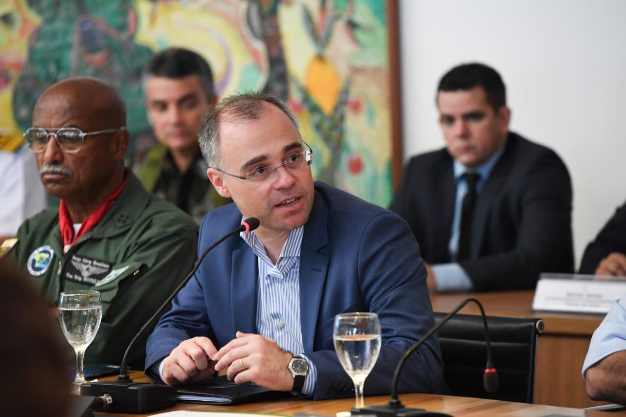 IMAGEM: Exclusivo: negócio de mineração na plataforma continental atrai primo de André Mendonça
