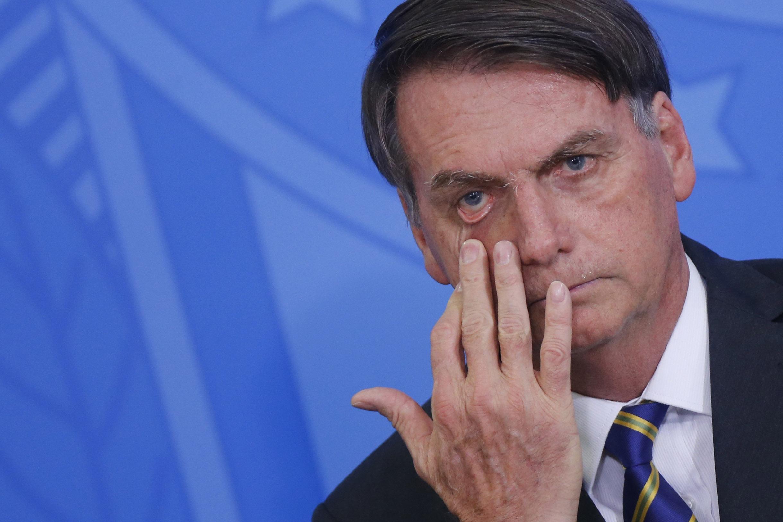 """IMAGEM: Bolsonaro deve """"terceirizar"""" pedidos de impeachment de Moraes e Barroso"""