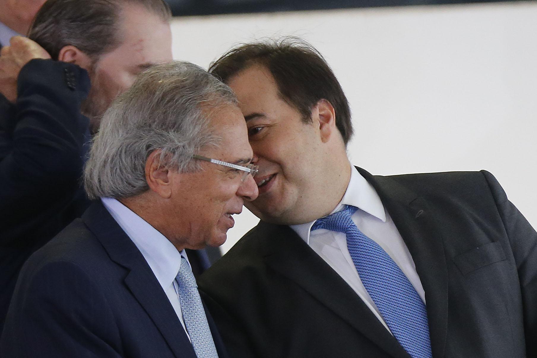 IMAGEM: Maia e Guedes marcam encontro