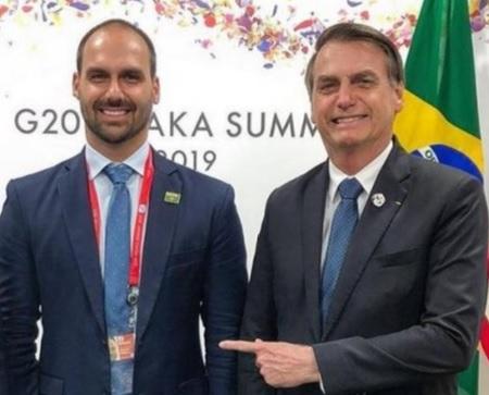 IMAGEM: Justiça nega liminar contra condecoração a Eduardo concedida por Bolsonaro
