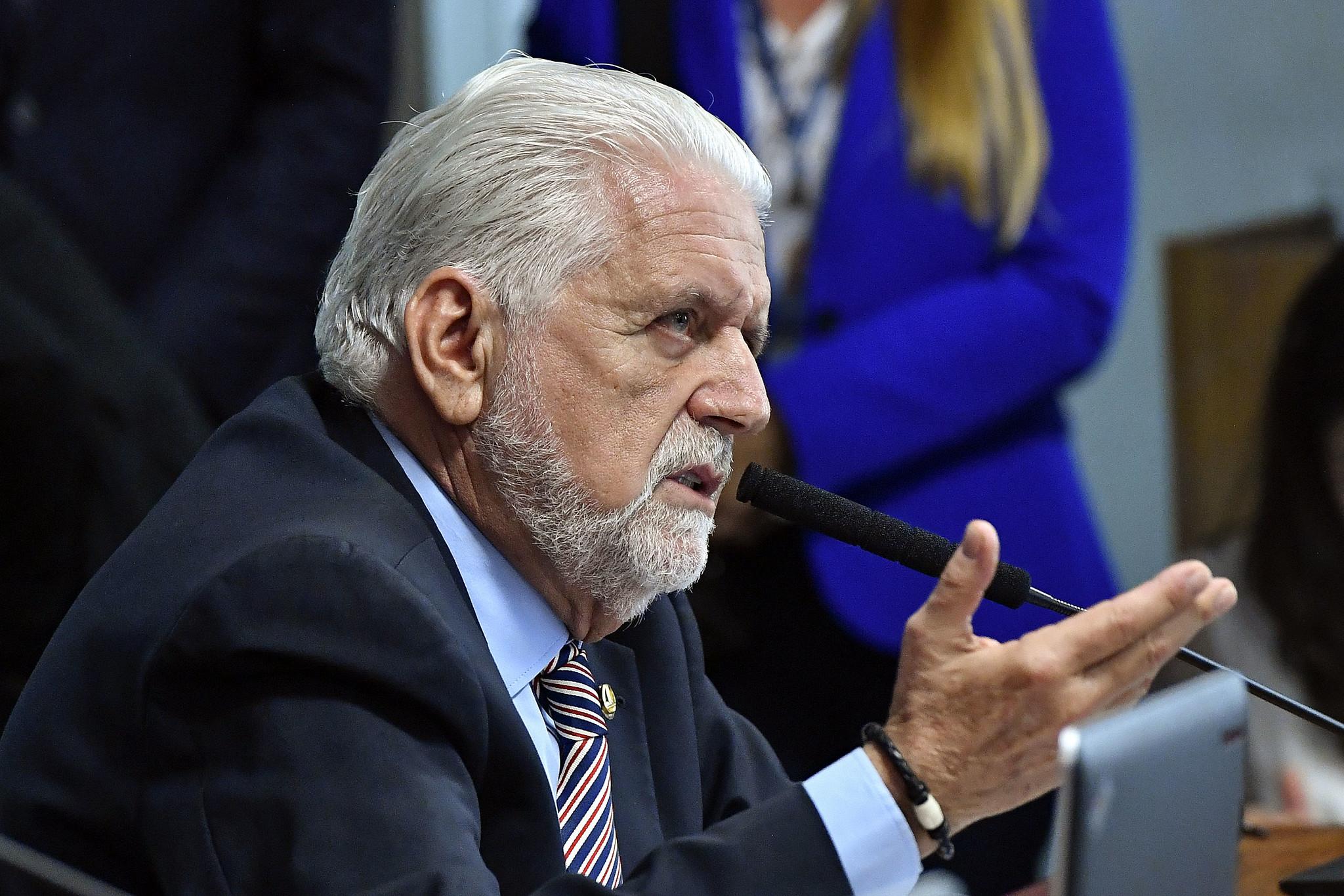 IMAGEM: 'Lula já é de centro', diz Jaques Wagner