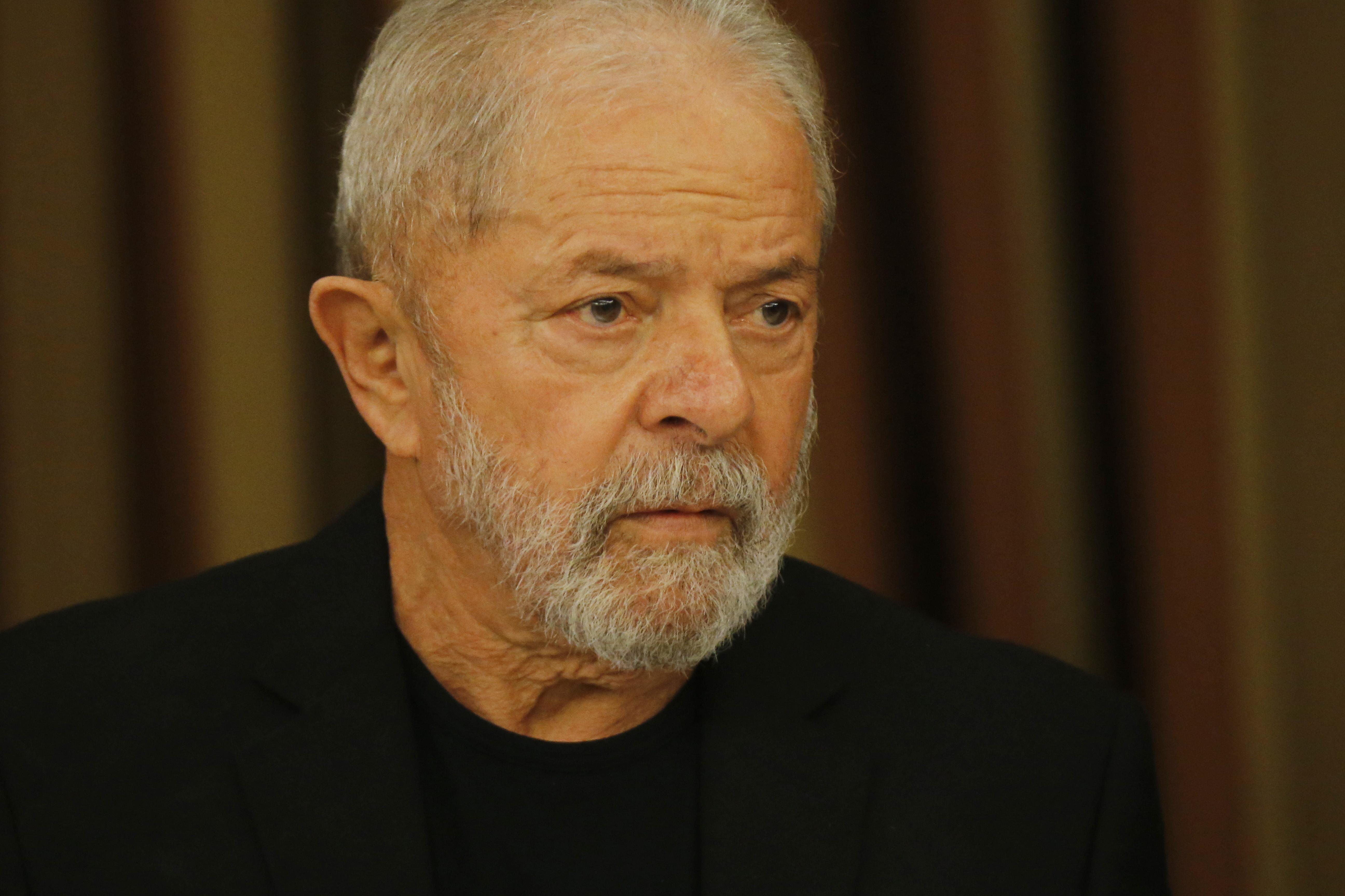 """IMAGEM: Em depoimento, Lula diz que Bolsonaro """"deve estar com inveja"""" de seu governo"""