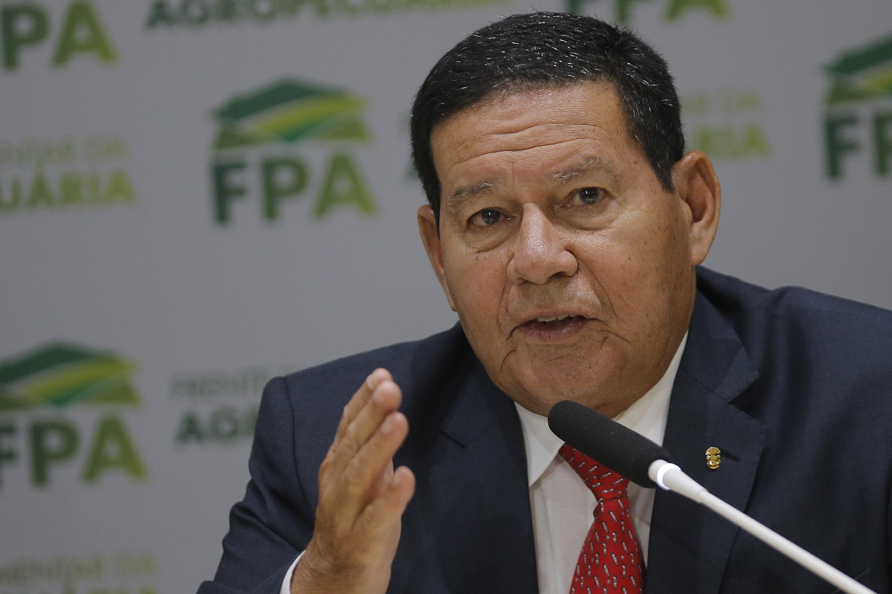 """IMAGEM: """"O Brasil responderá com a verdade"""", diz Mourão após críticas sobre Amazônia"""
