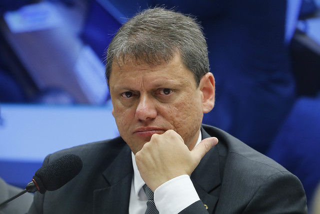 IMAGEM: Tarcísio substituirá Mandetta em conselho do governo