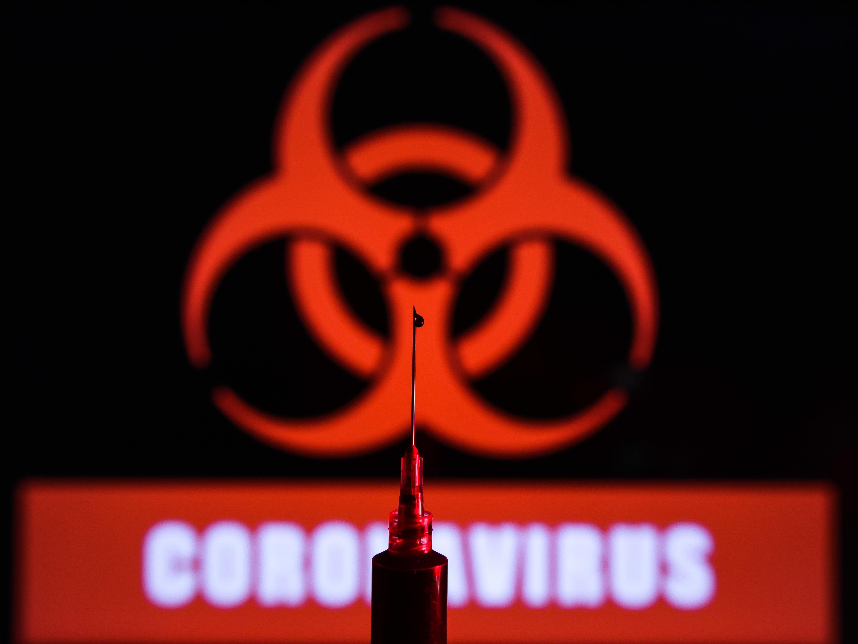 IMAGEM: Pastor é preso na Flórida por promover cultos durante pandemia