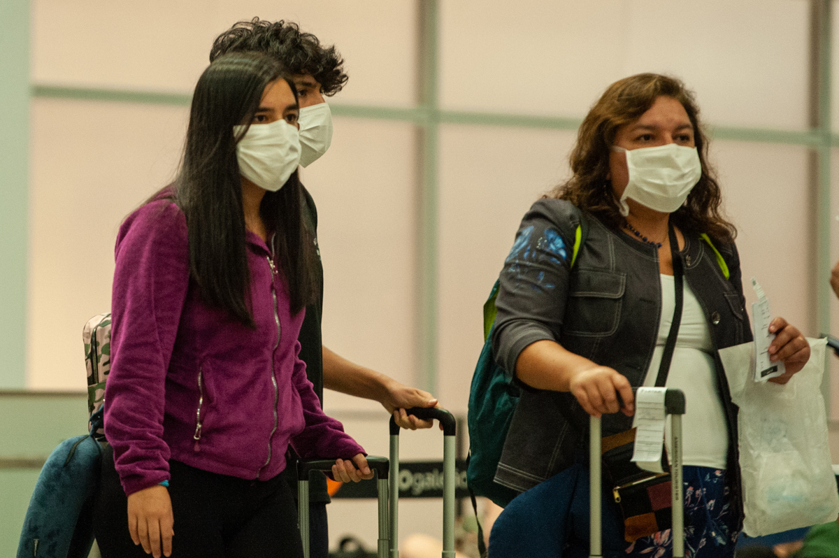IMAGEM: Assessor de Trump diz que EUA devem restringir viagens do Brasil