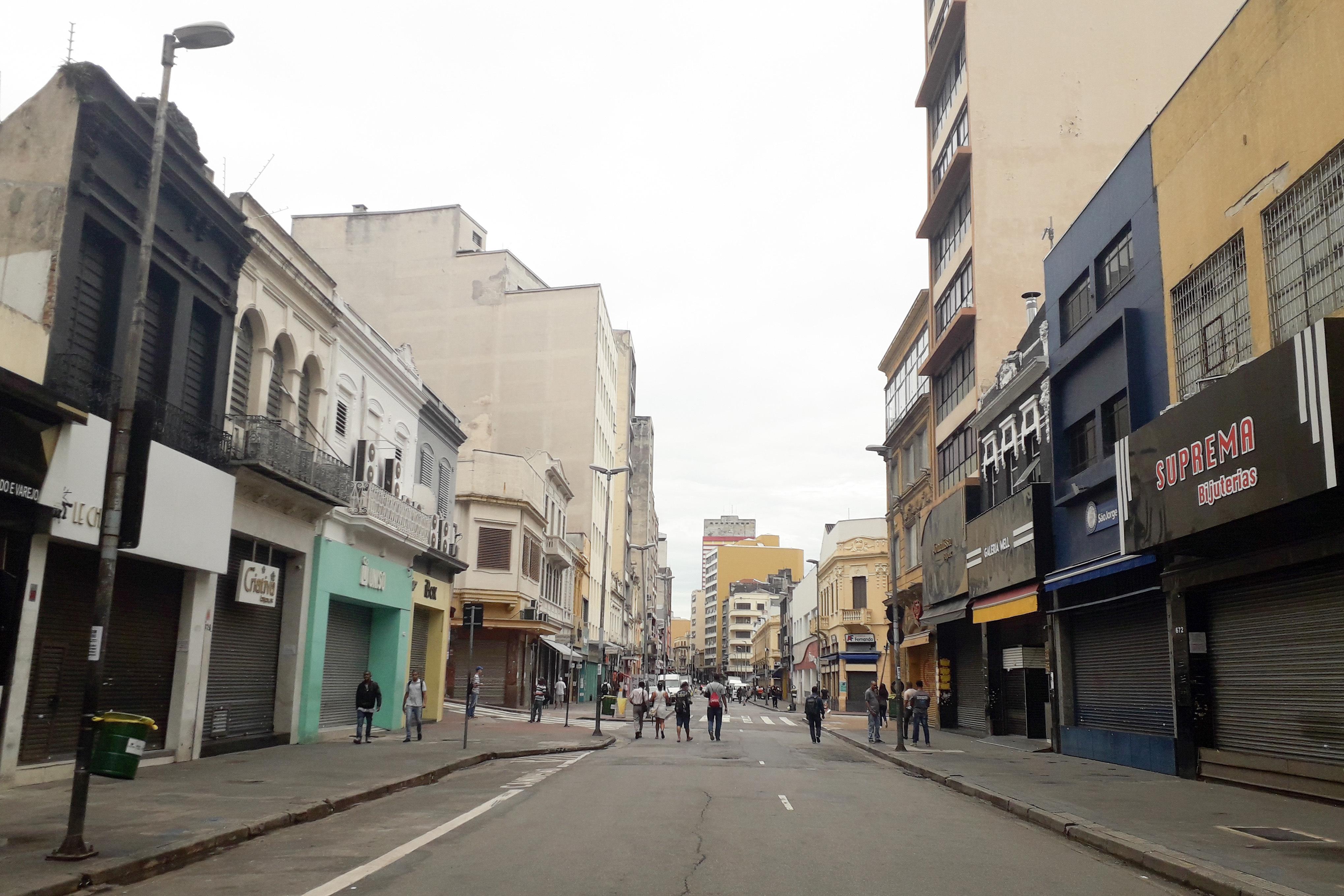 IMAGEM: Comércio de rua deve reabrir amanhã em São Paulo