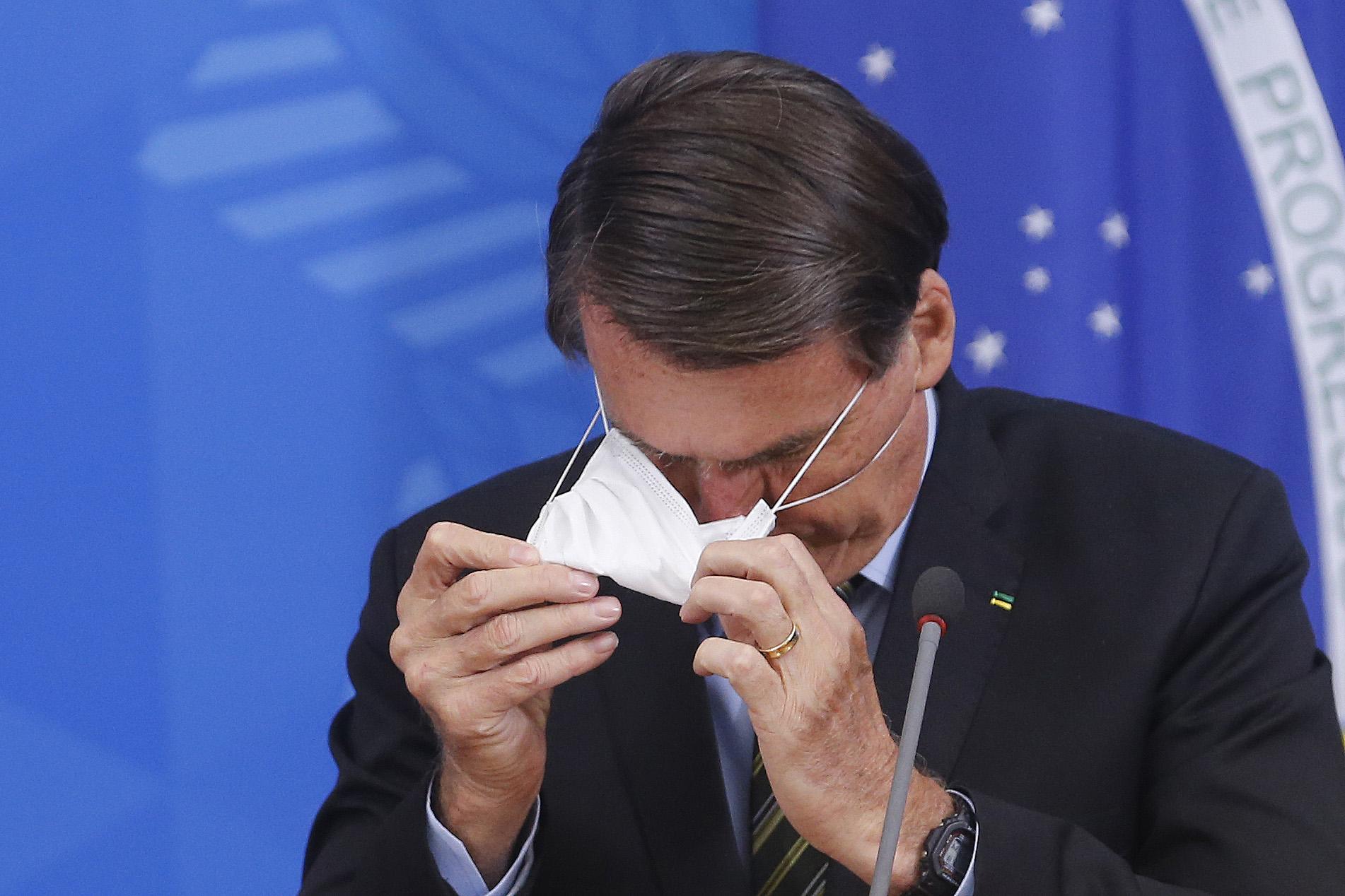 IMAGEM: As mortes estão no colo de Bolsonaro