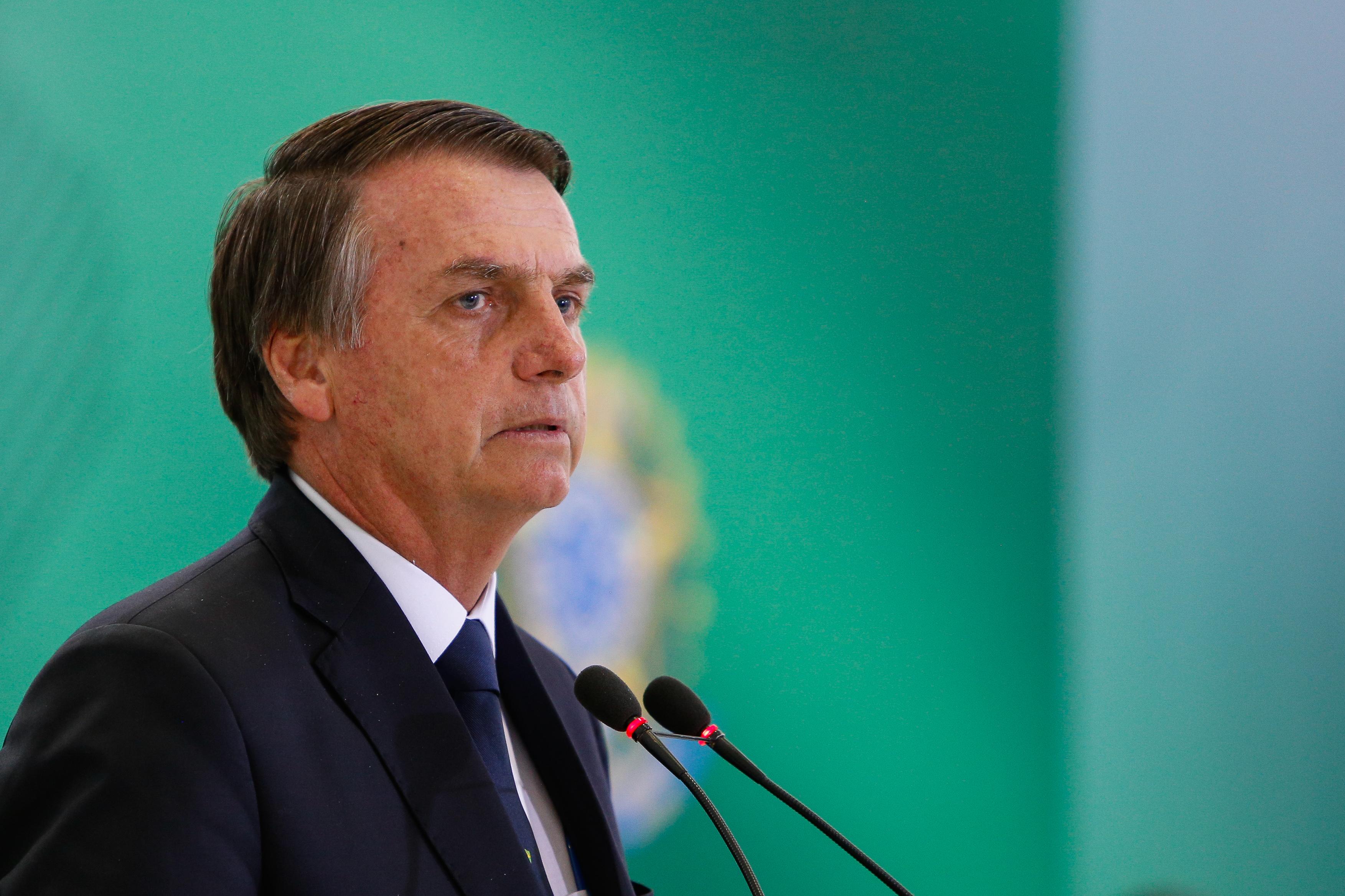 """IMAGEM: Bolsonaro: """"Tem um governador aí que só faltou declarar independência"""""""