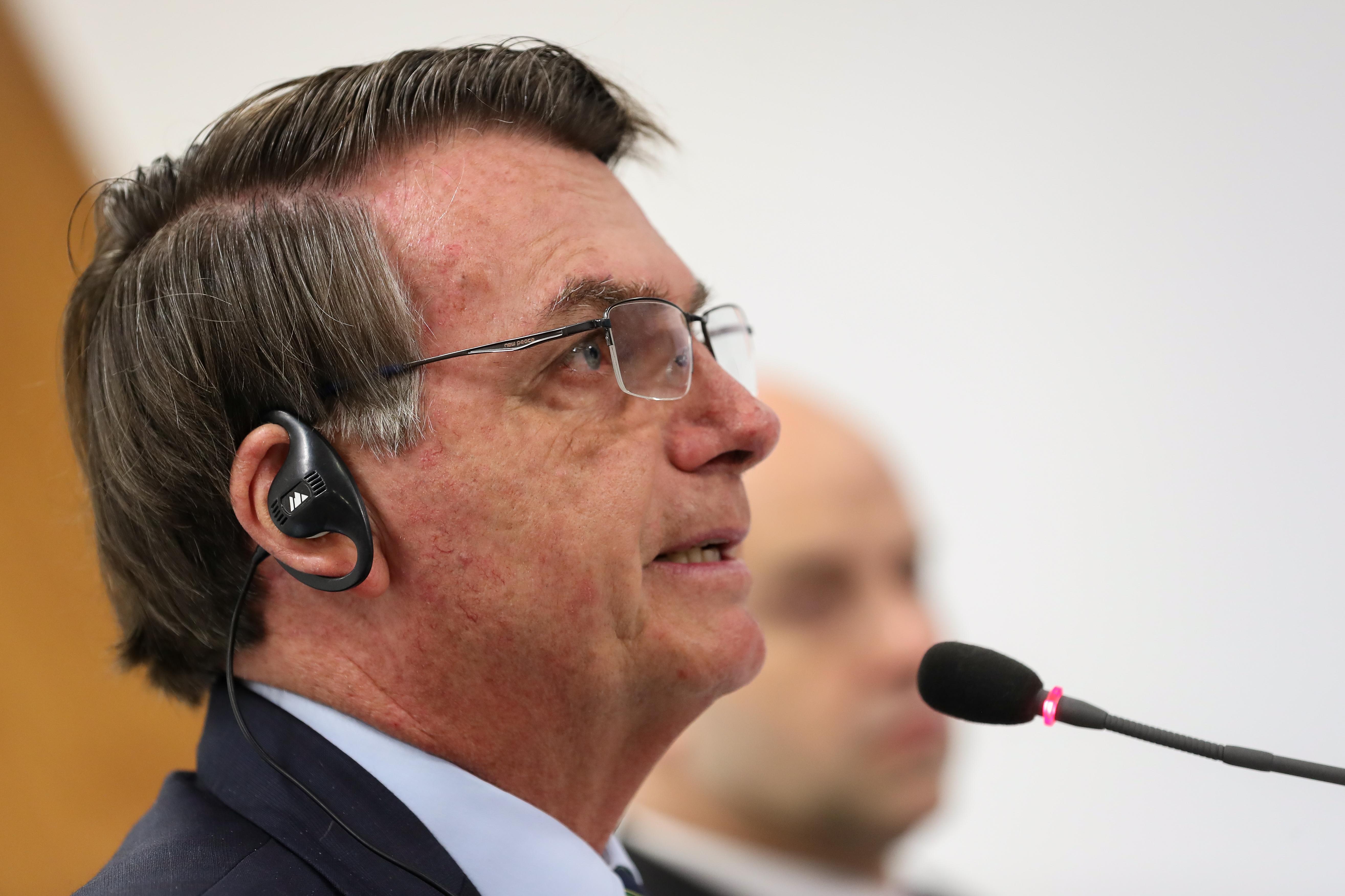 IMAGEM: Bolsonaro reclama de 'propaganda muito forte' sobre coronavírus