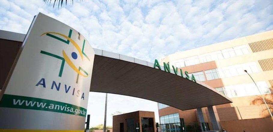 IMAGEM: Anvisa recebe dados de comitê internacional sobre morte de voluntário da Coronavac
