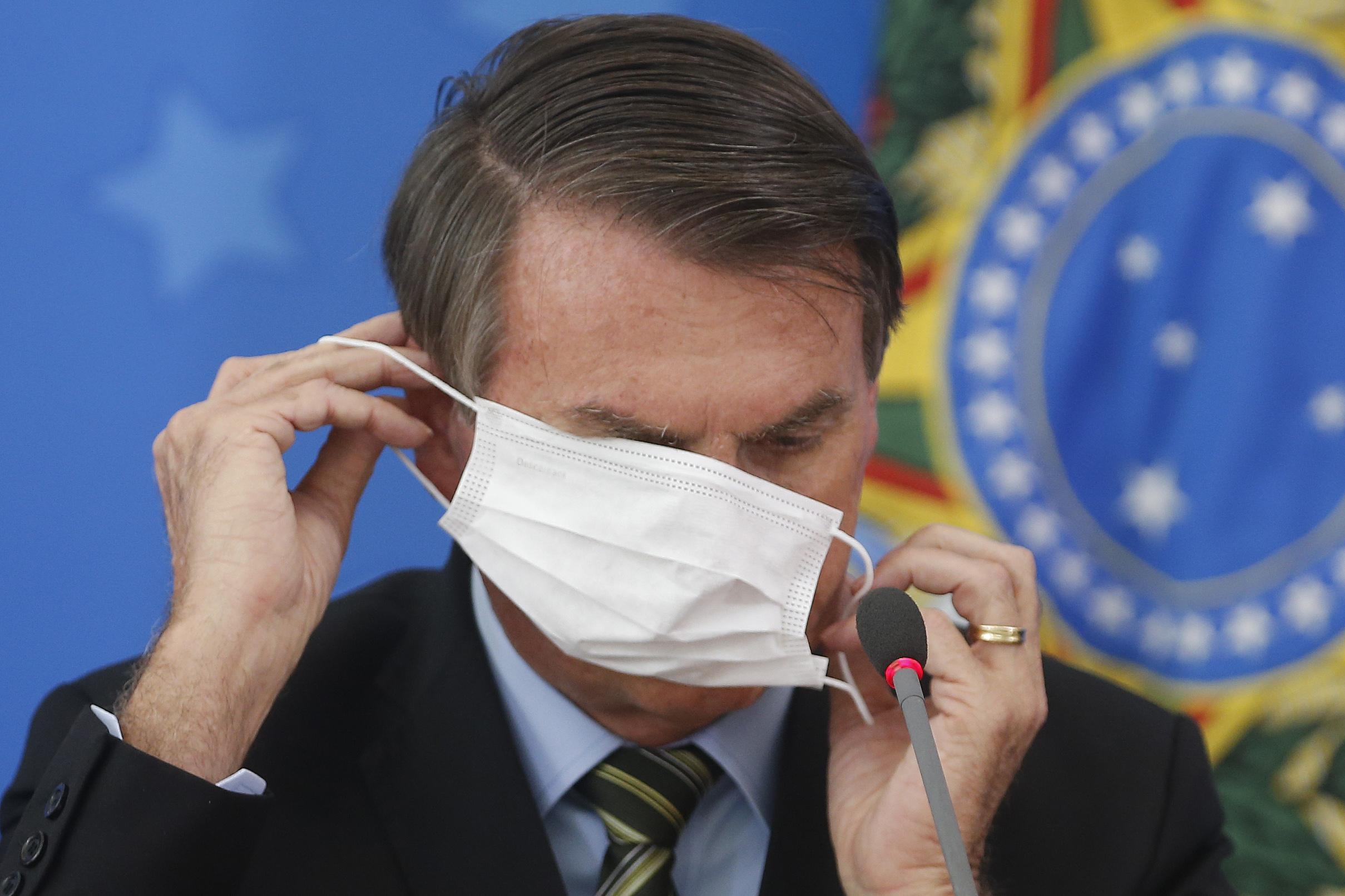 IMAGEM: Panelas contra o vírus
