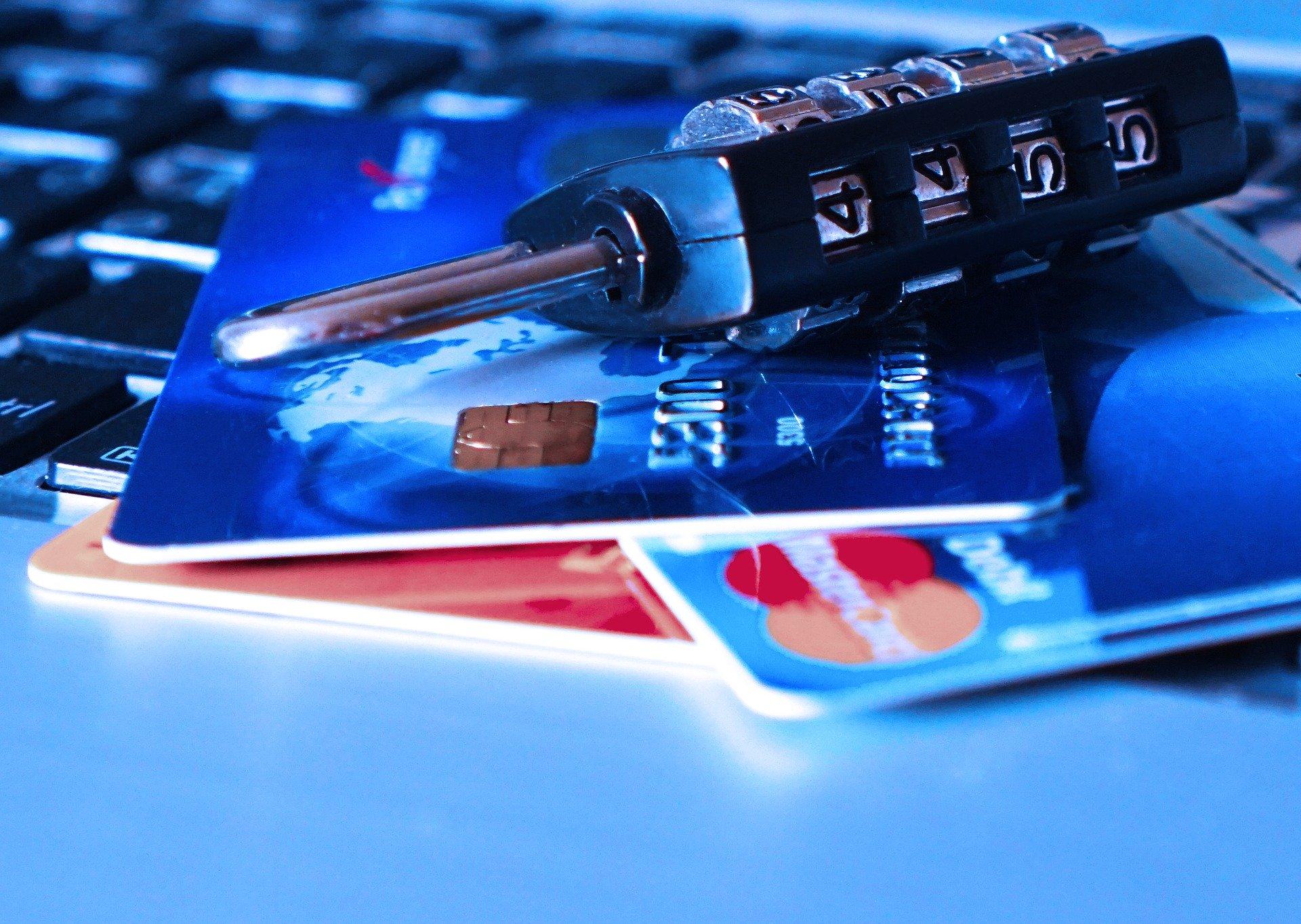IMAGEM: Com 'open banking', que começa hoje, bancos poderão compartilhar dados de clientes