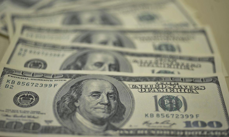 IMAGEM: Dólar fecha a R$ 5,35, menor valor em quase um mês