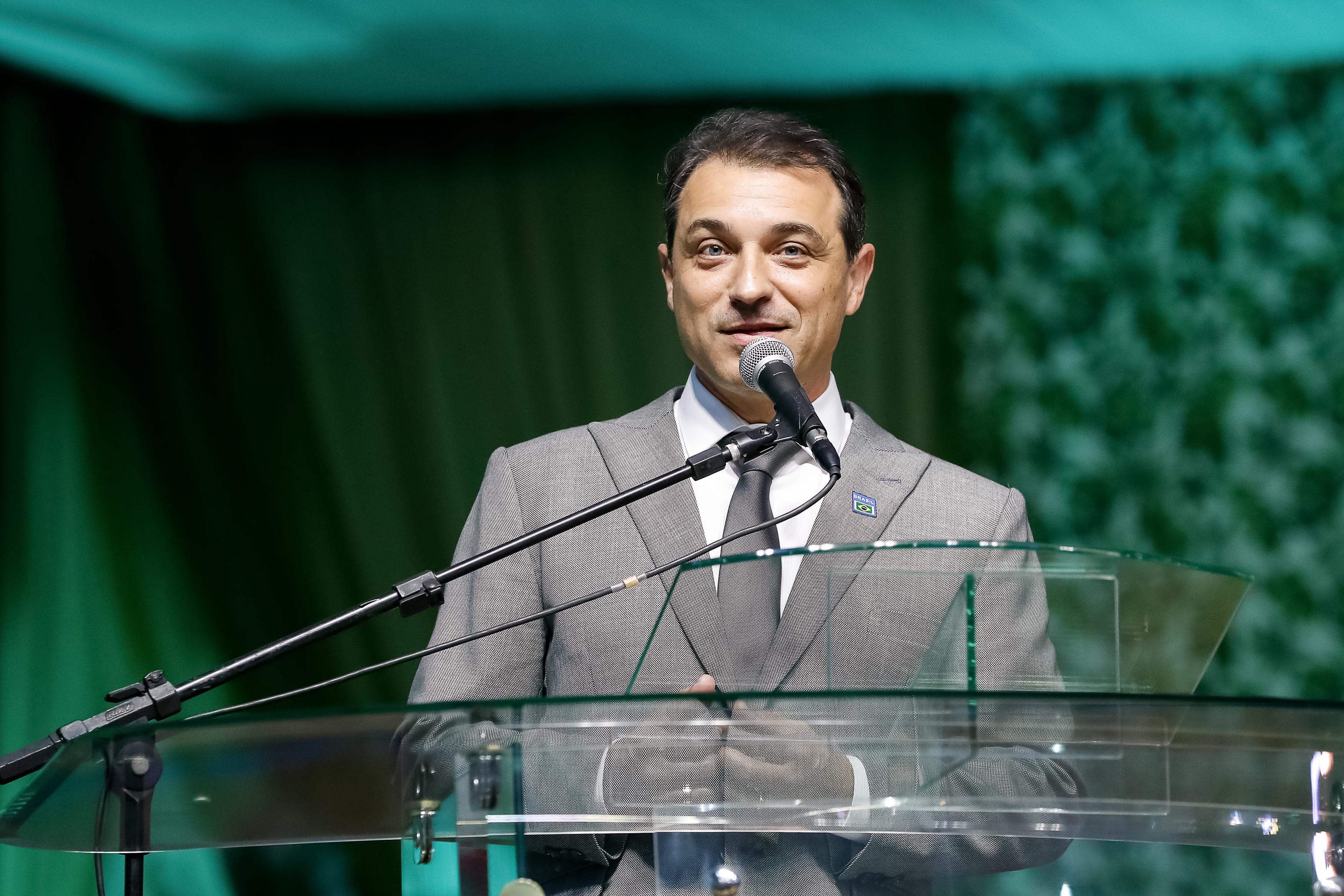 IMAGEM: Conhecimento jurídico de Carlos Moisés impede absolvição, diz acusação