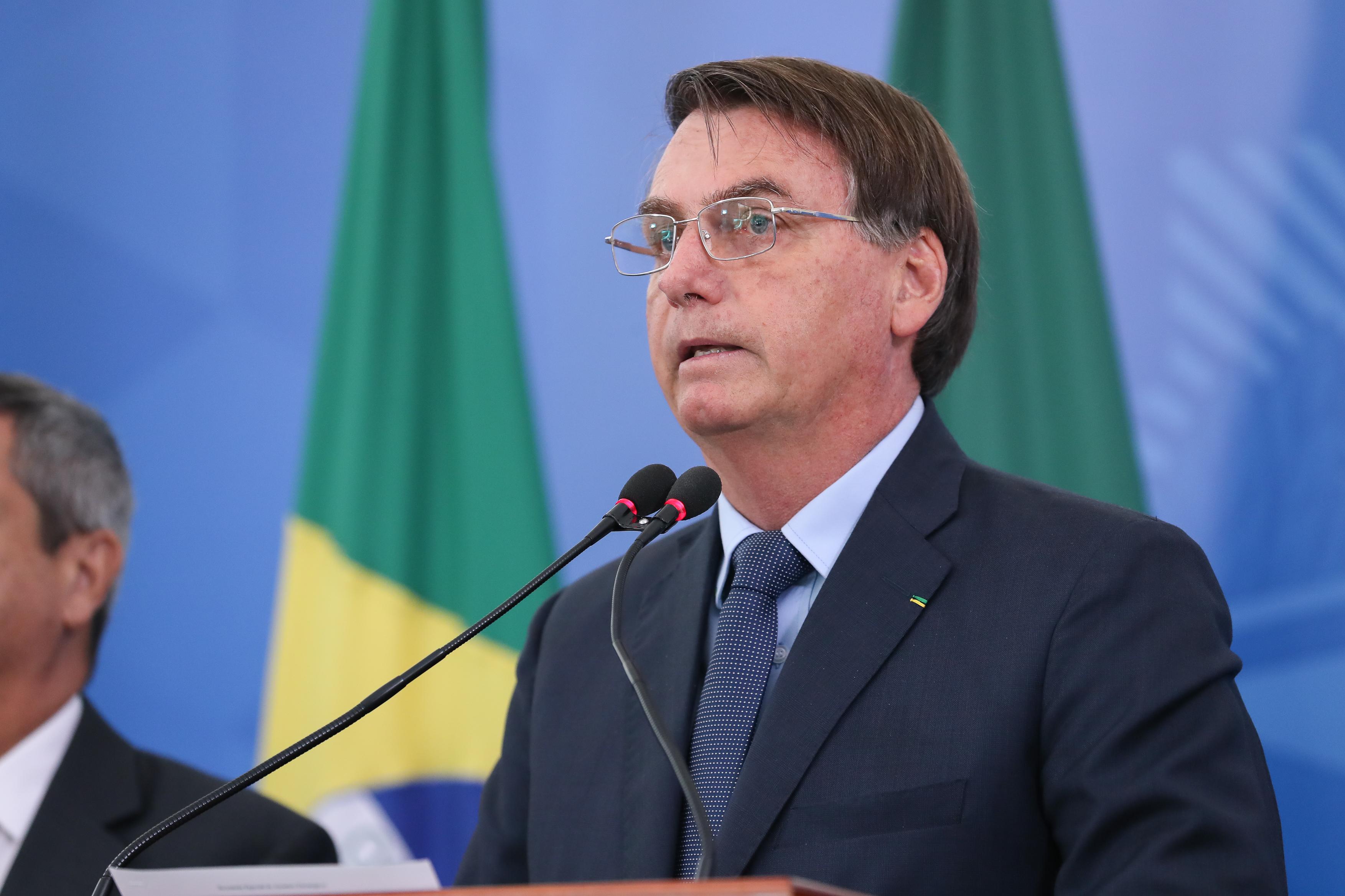 IMAGEM: Bolsonaro em rede nacional
