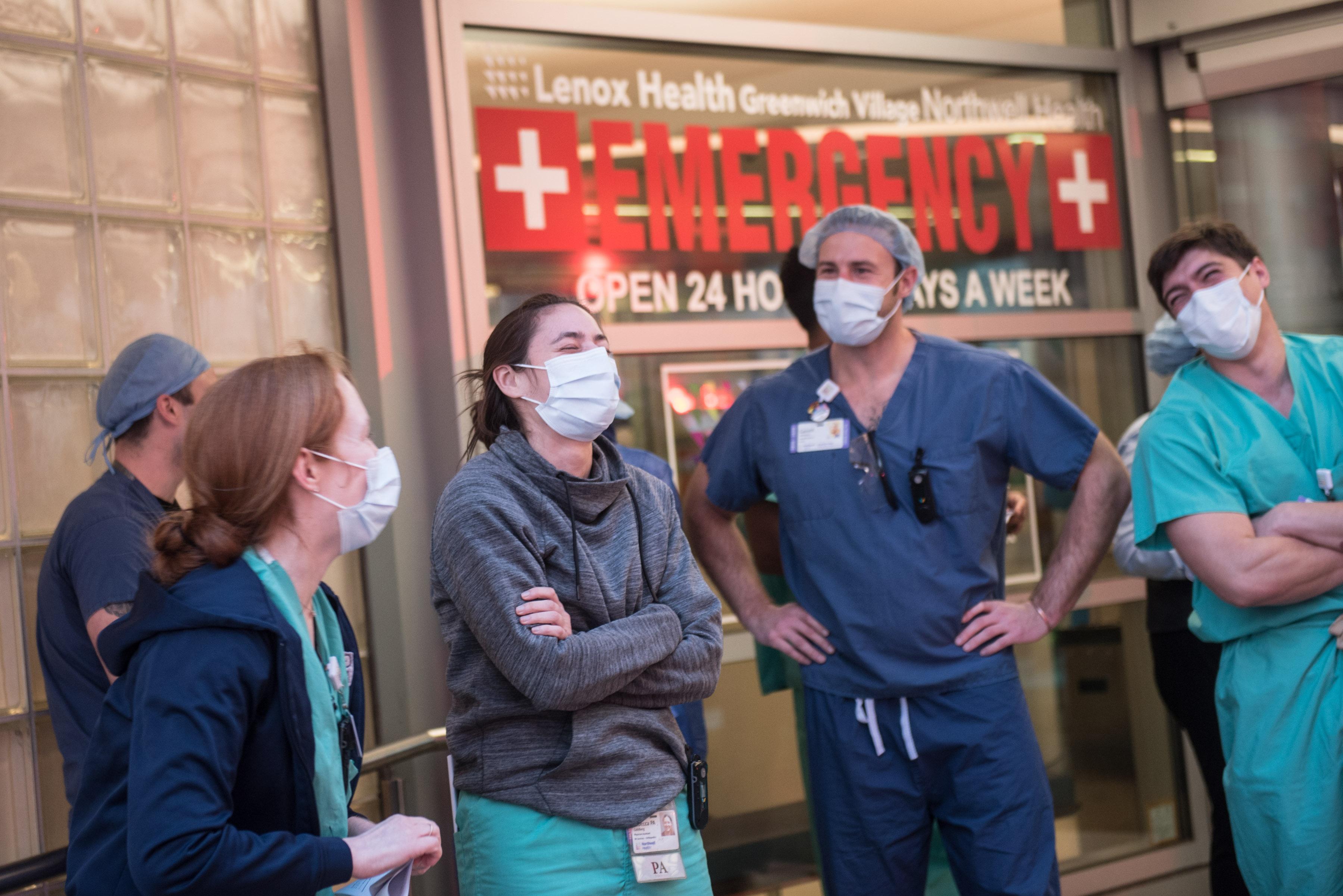IMAGEM: Covid-19: EUA ultrapassam os 100 mil internados com a doença