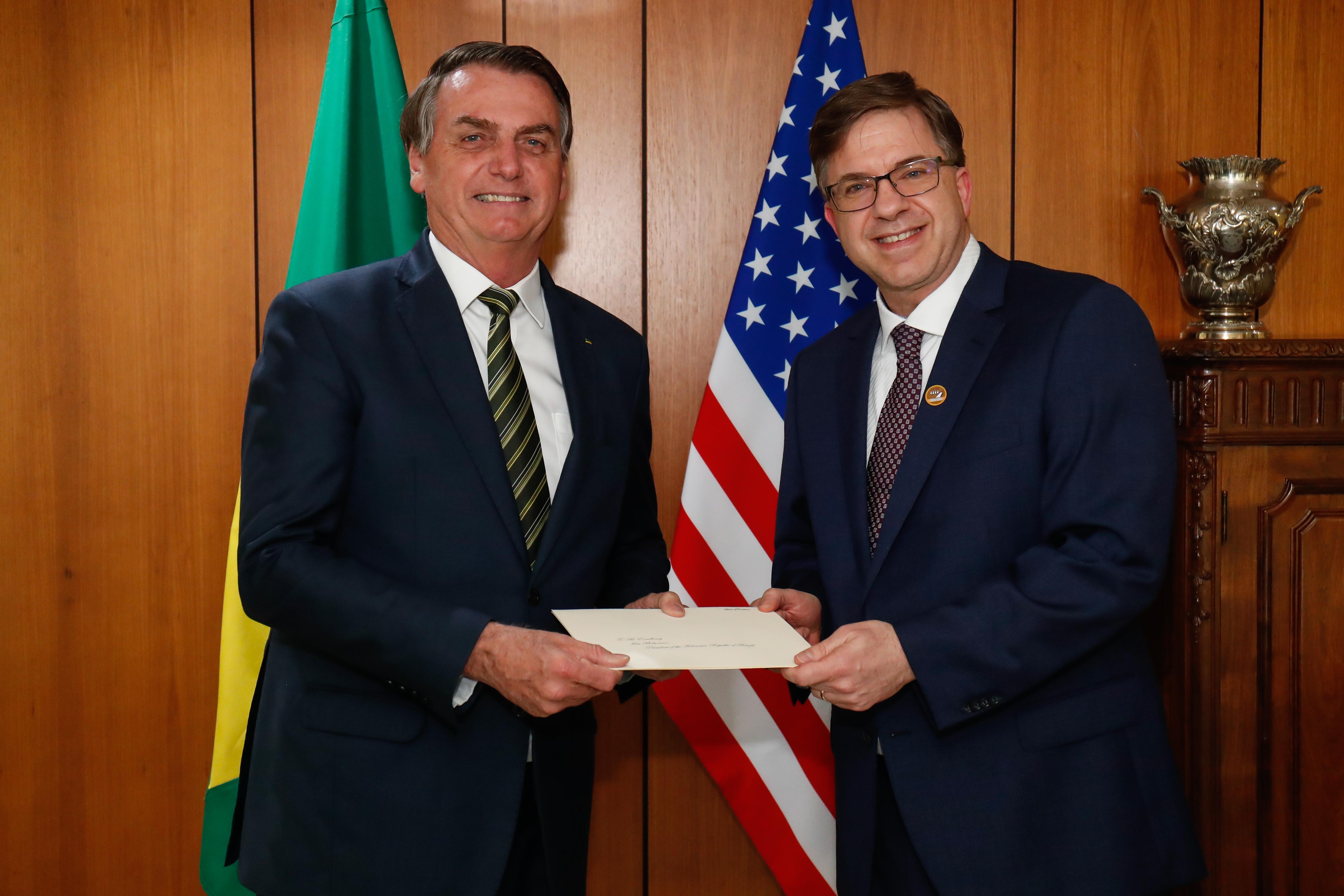 """IMAGEM: Embaixador dos EUA diz que, com governo Bolsonaro, """"as portas abriram"""""""