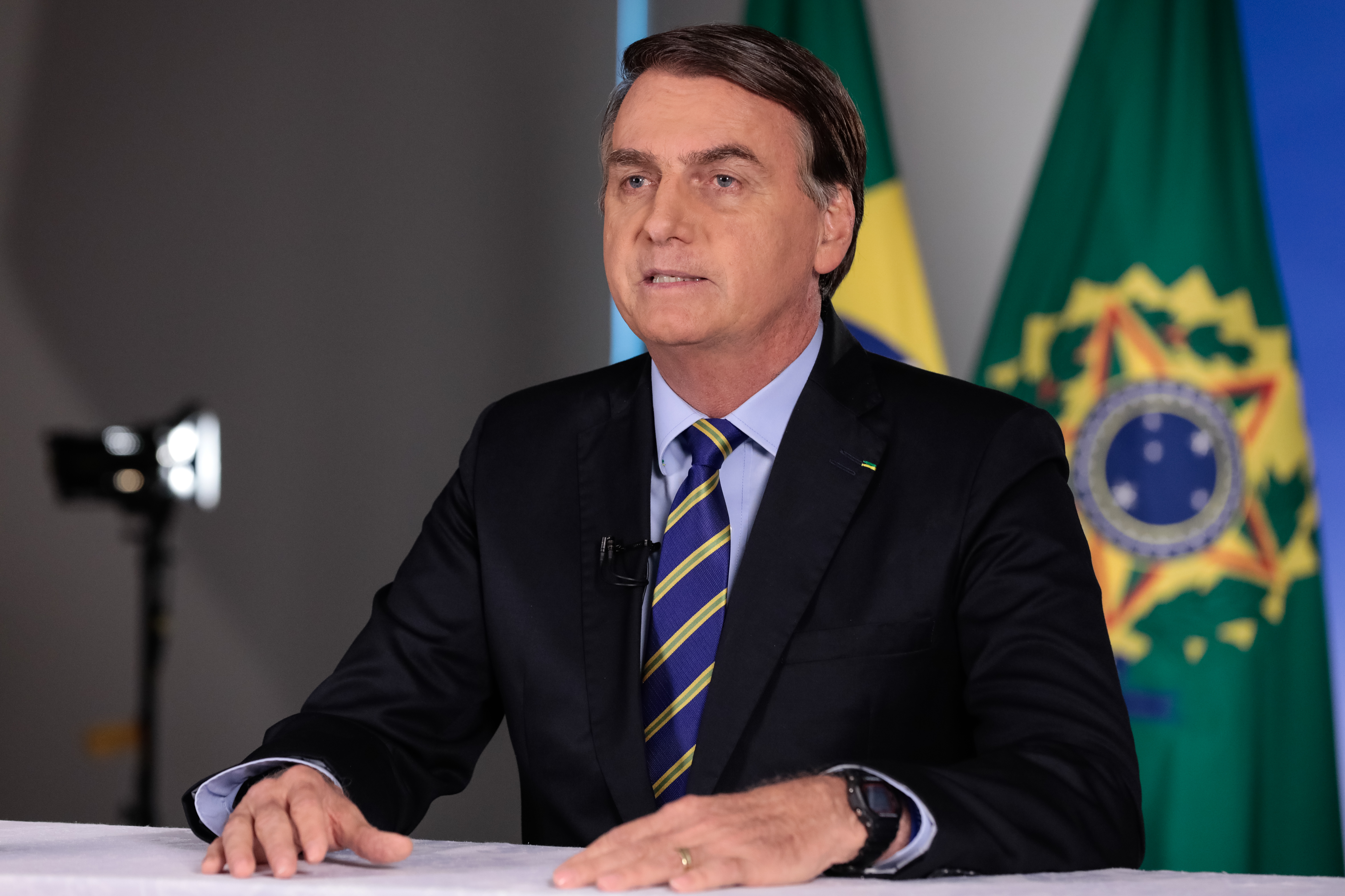 IMAGEM: Bolsonaro desiste de viajar na Páscoa