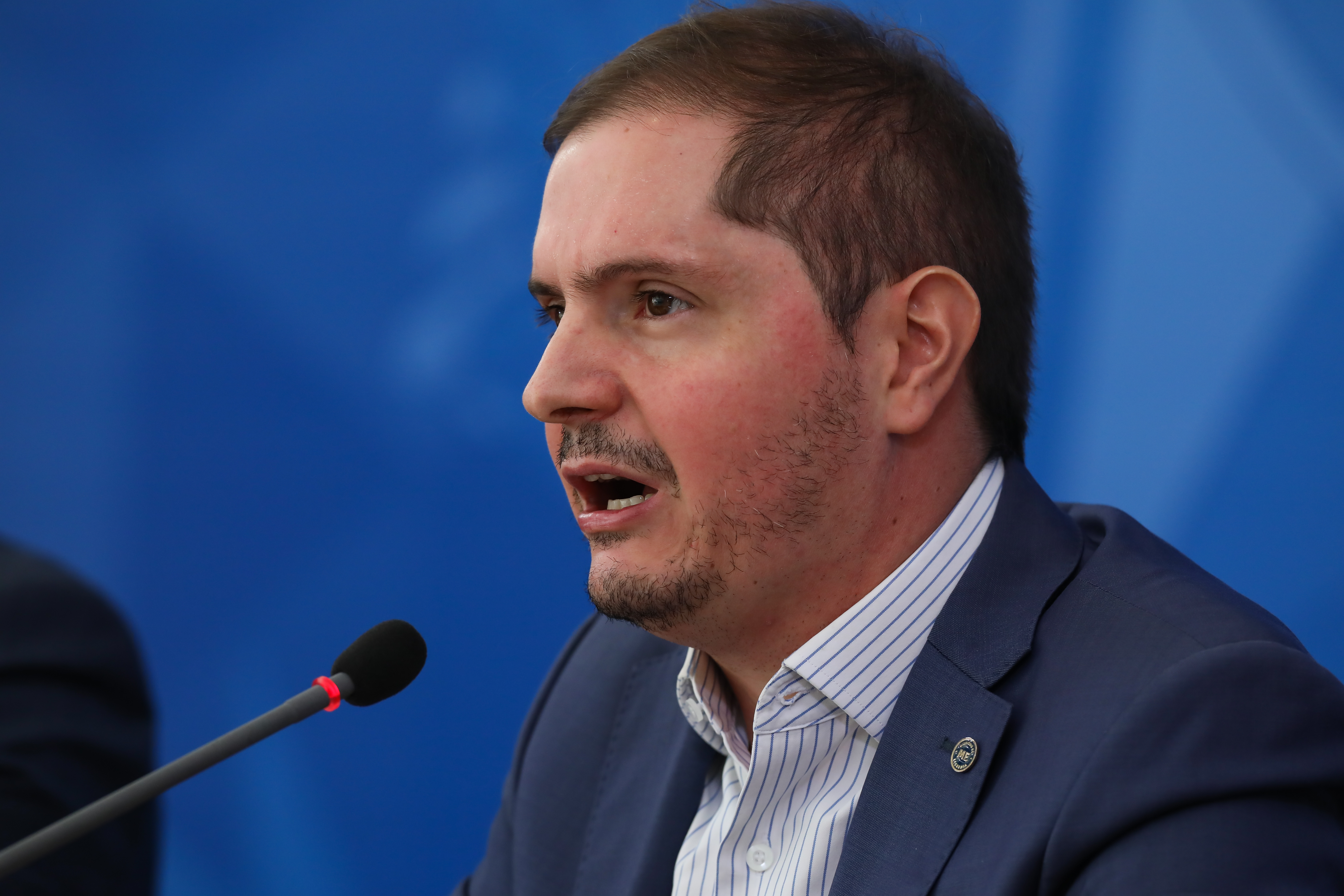 IMAGEM: Governo oficializa convocação de peritos médicos para o INSS