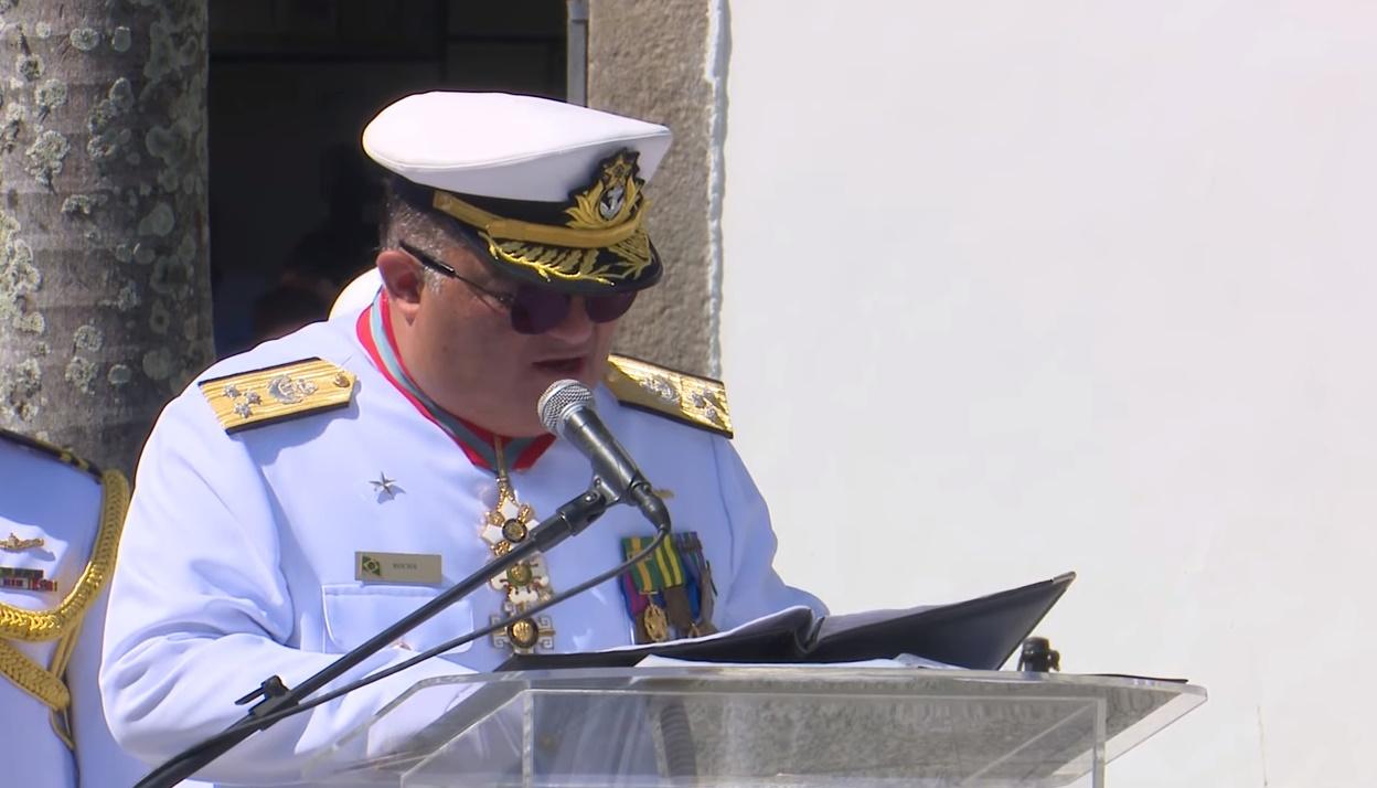 IMAGEM: Mãe de almirante bolsonarista morre de Covid