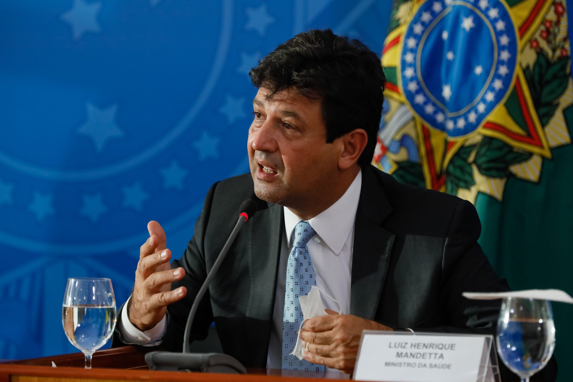 IMAGEM: As frases da semana em que Mandetta pediu para o Brasil não fraquejar