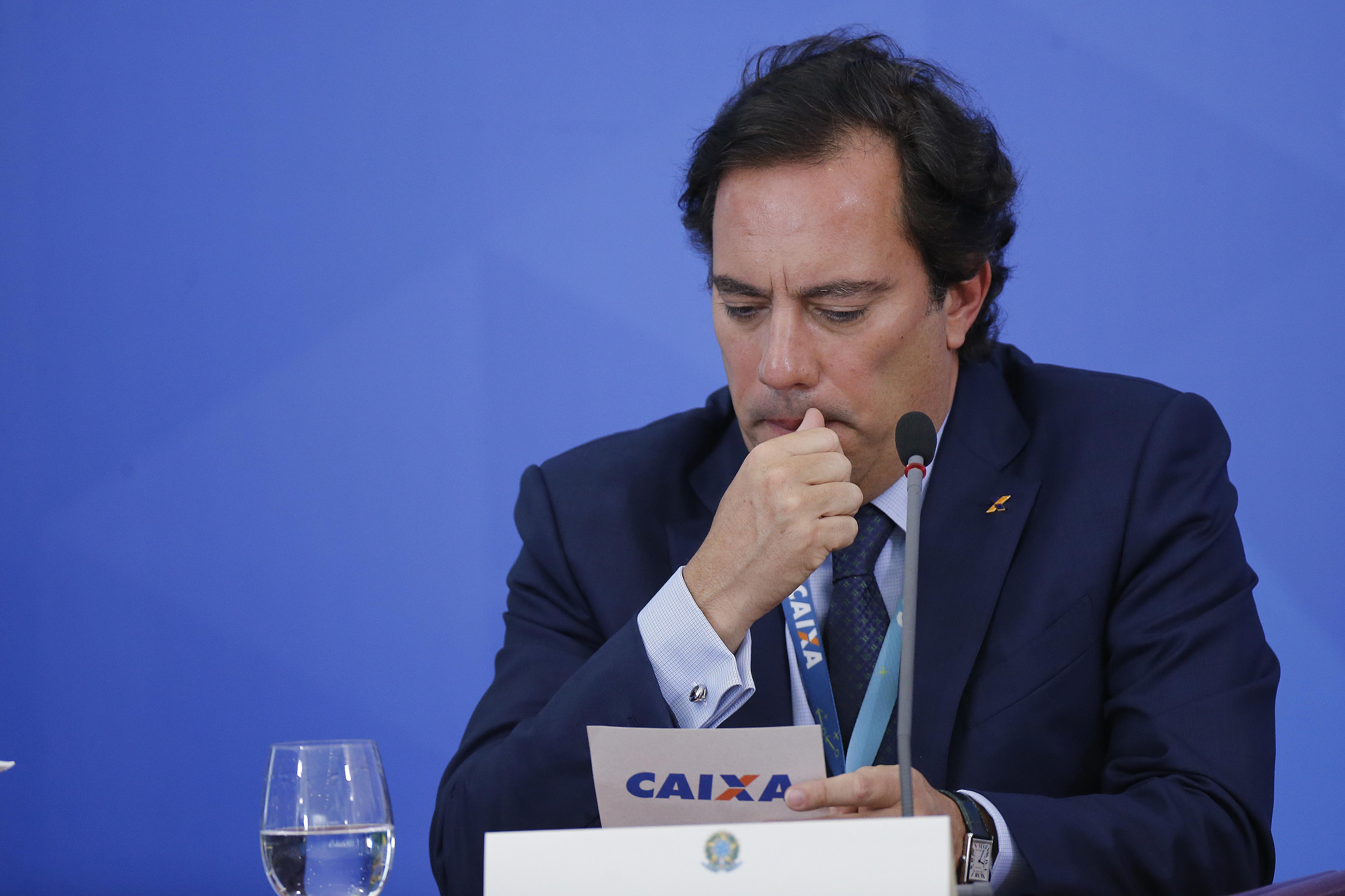 IMAGEM: Pedro Guimarães se emociona