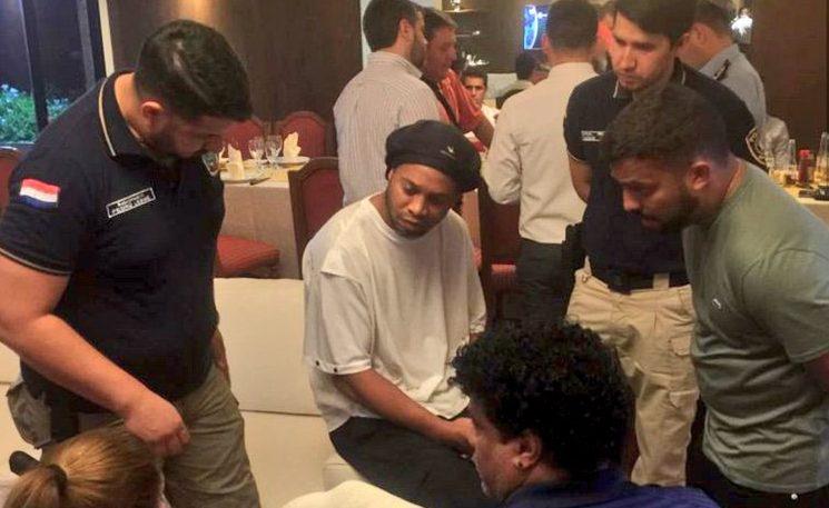 IMAGEM: Ronaldinho pode ser solto hoje