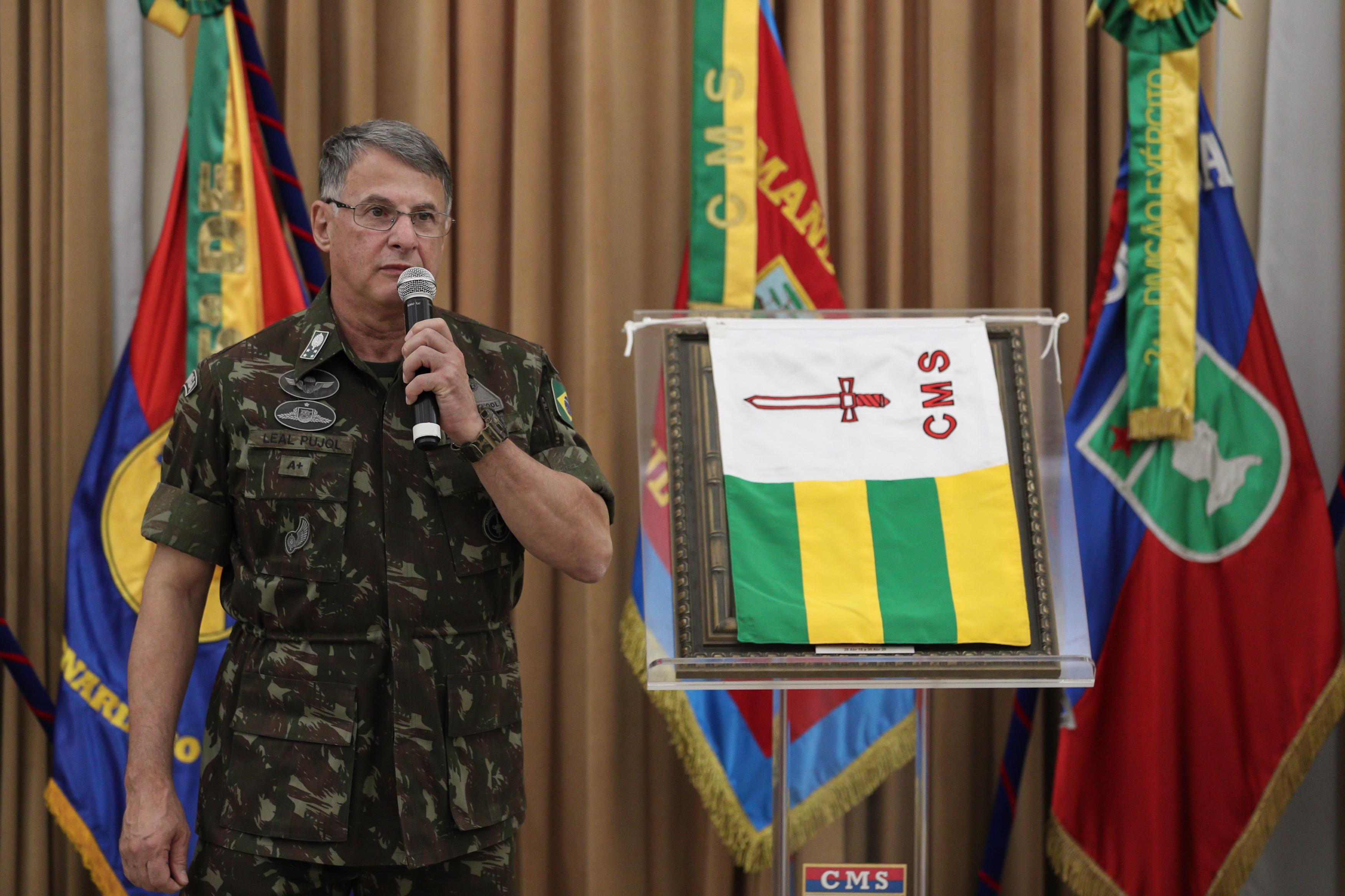 IMAGEM: Declarações de Bolsonaro geraram mal-estar entre militares