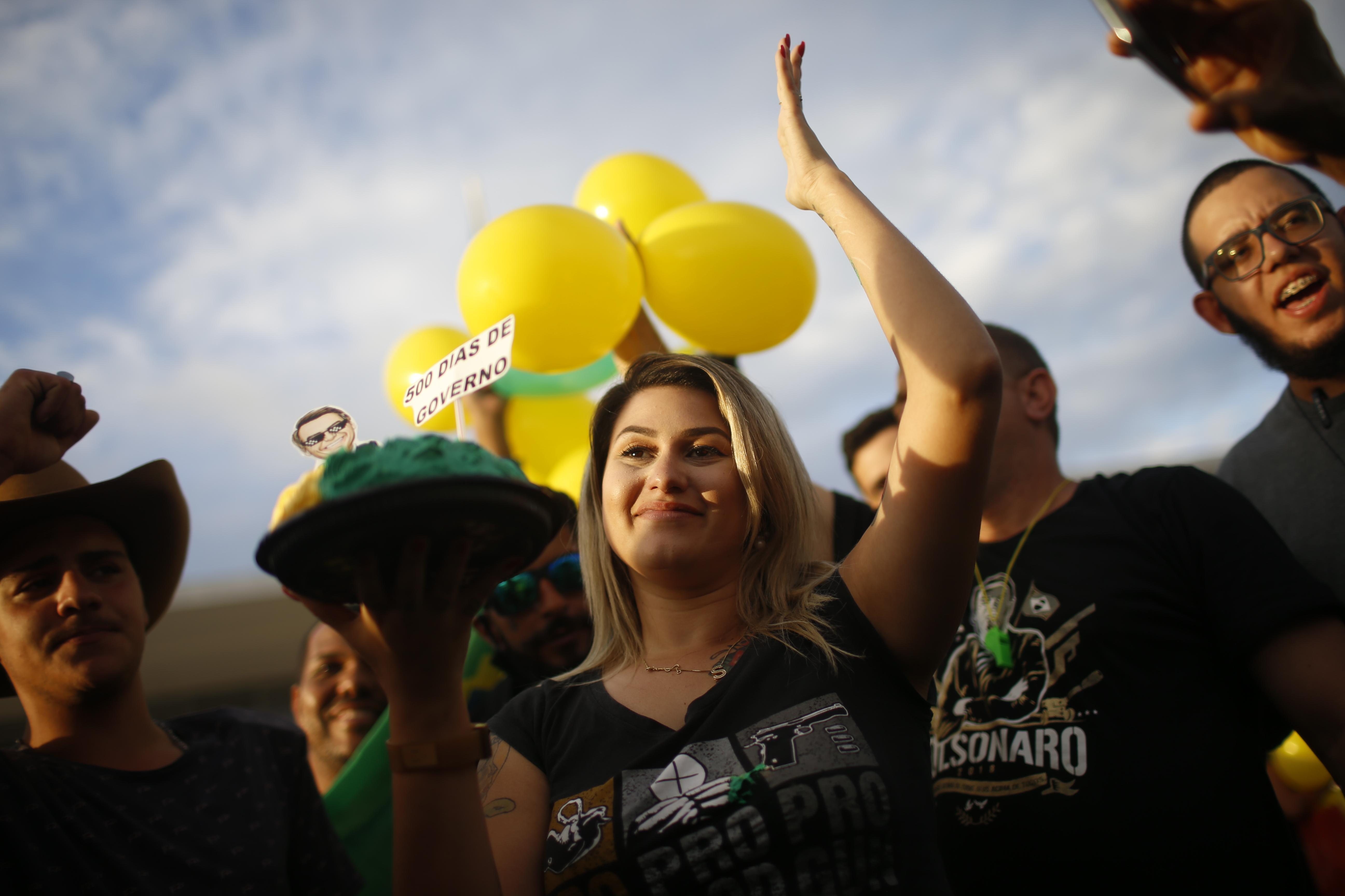 IMAGEM: Sara Winter terá de fazer doação a lar de idosos por ameaça a Moraes