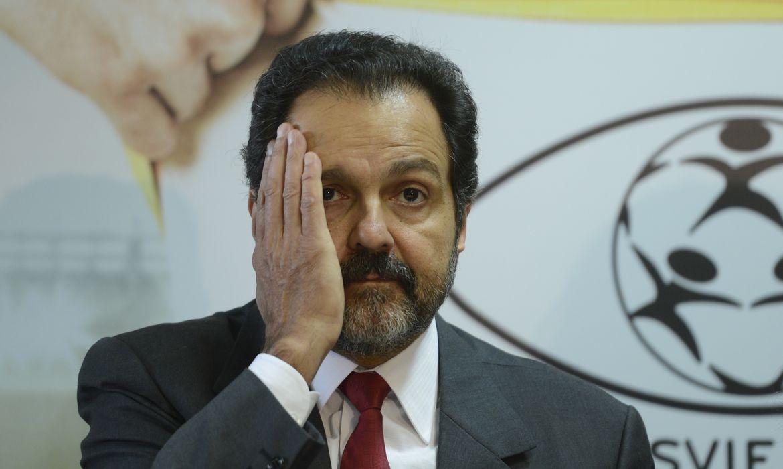 IMAGEM: Agnelo Queiroz e ex-secretário de Saúde são alvos de busca e apreensão