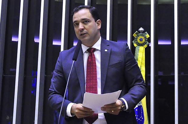 IMAGEM: PSD ajusta discurso para tentar se descolar da nomeação de Fábio Faria