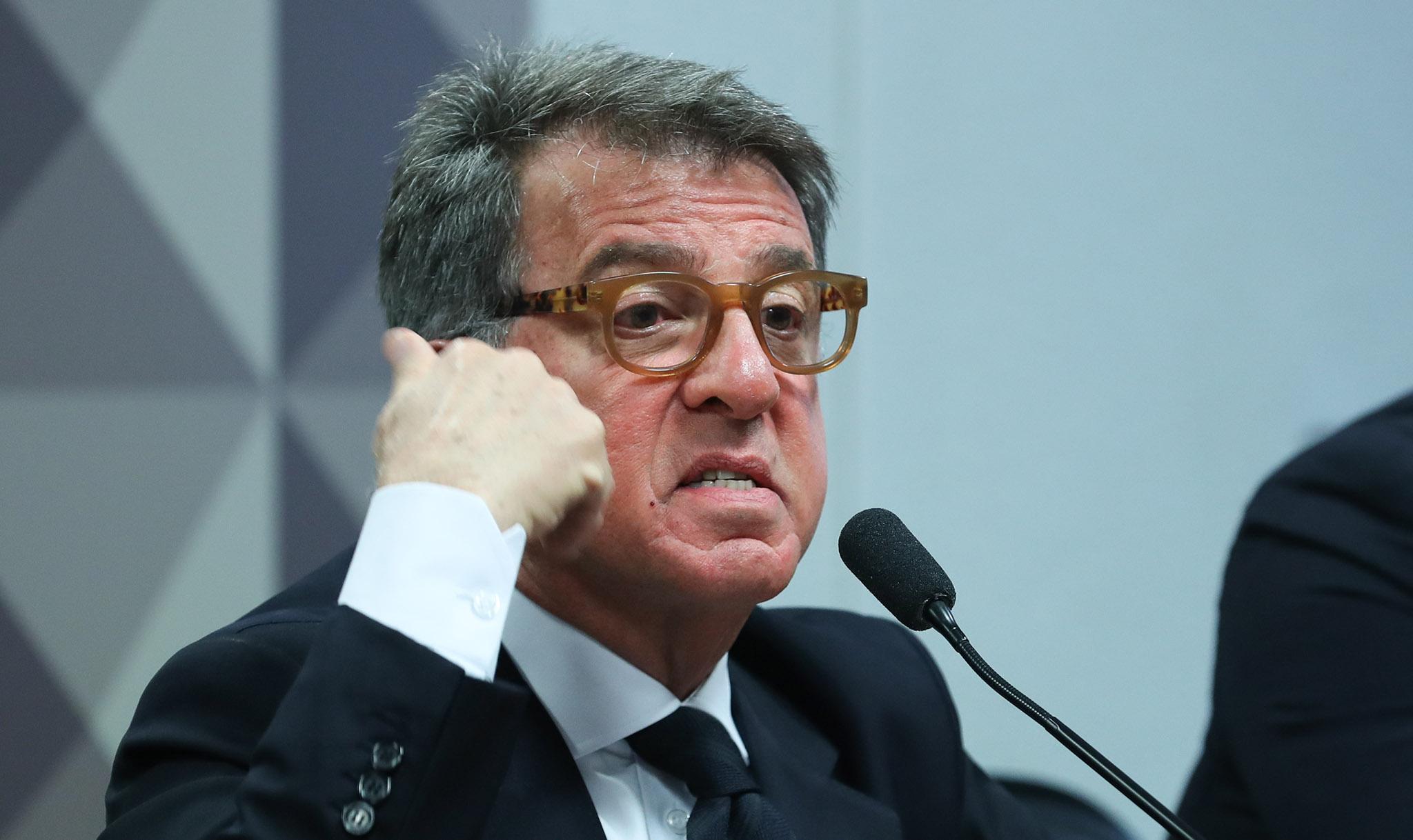 IMAGEM: Bolsonaro está à beira de um ataque de nervos e deve ser preso, diz Paulo Marinho