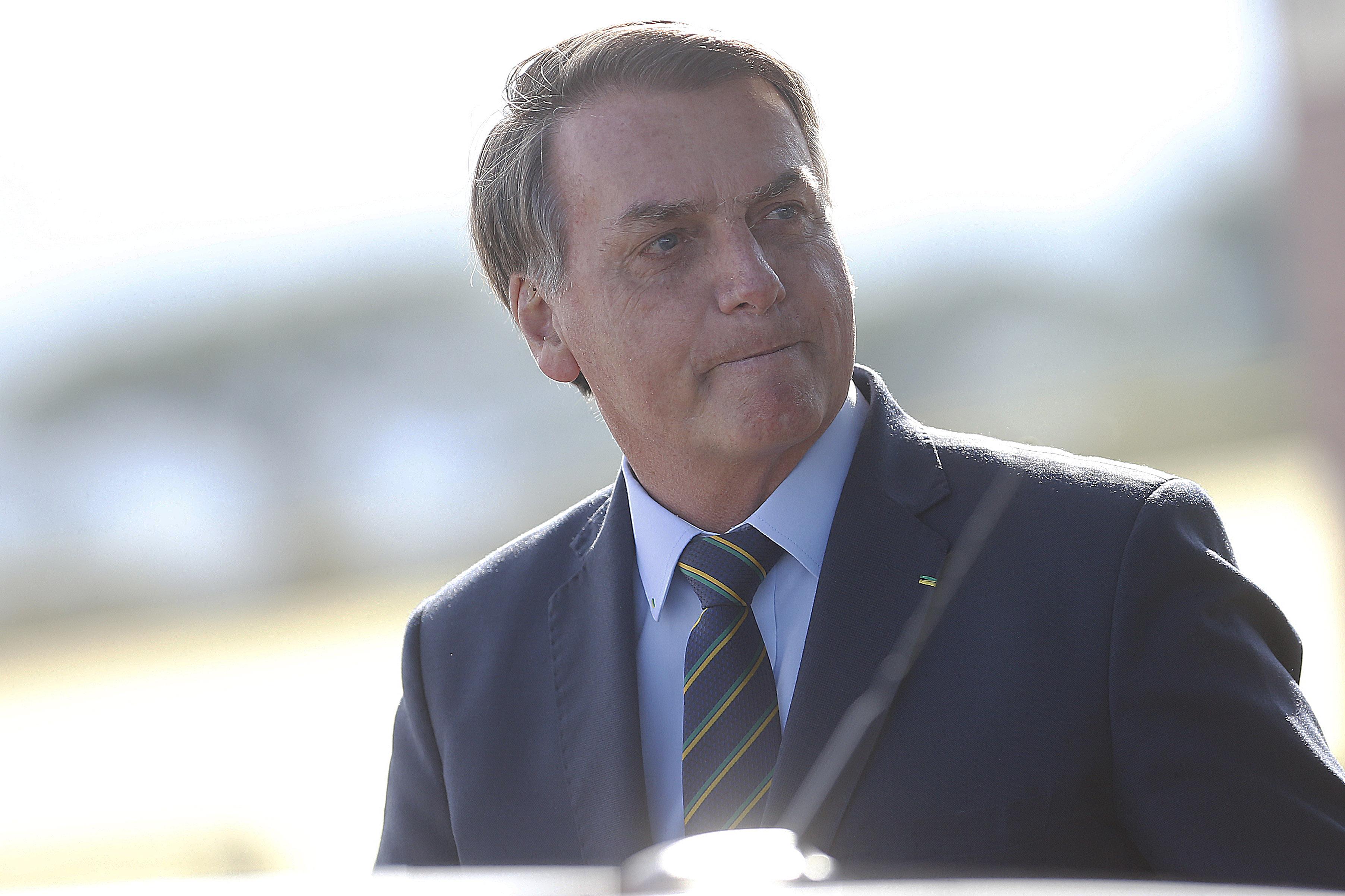 IMAGEM: Bolsonaro diz ser contra exame da OAB