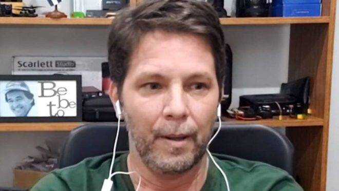 IMAGEM: Ex-assessor de deputado investigado ganha cargo com Mário Frias
