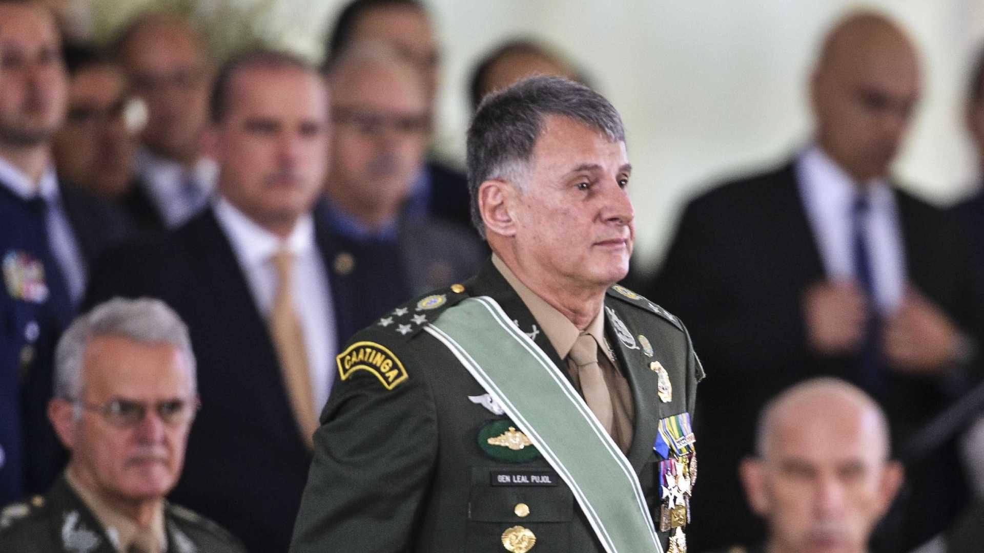 """IMAGEM: Pujol divulga mensagem pelo Dia do Exército: """"Observância dos preceitos constitucionais"""""""
