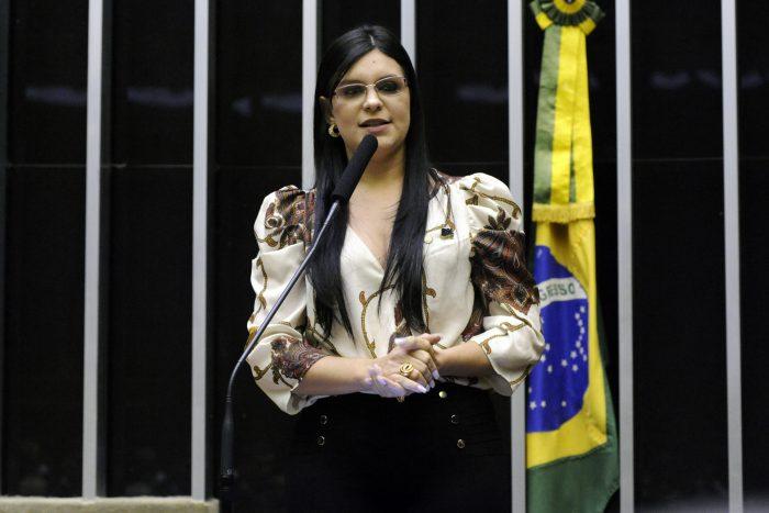 IMAGEM: Deputada do PSL tem conta do WhatsApp clonada